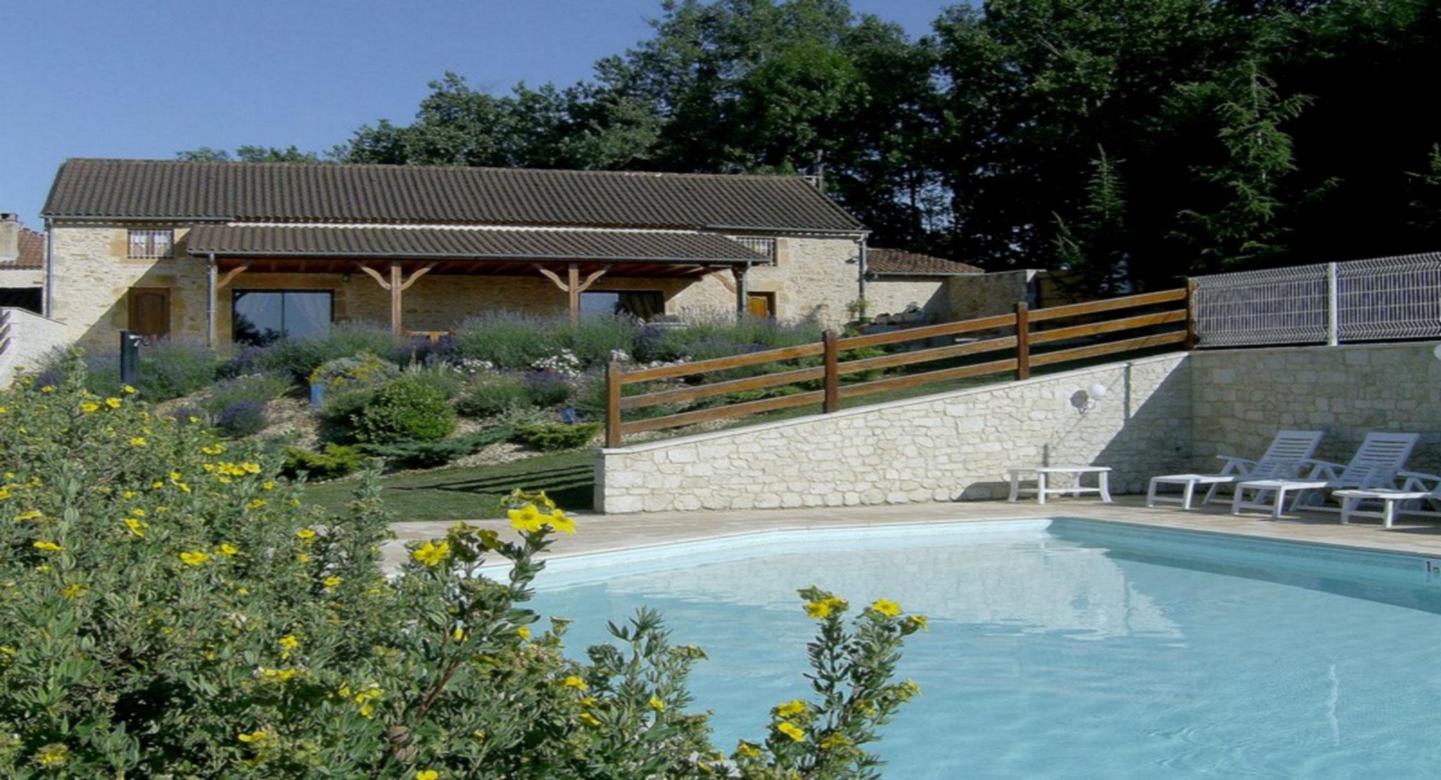Vue extérieure, piscine