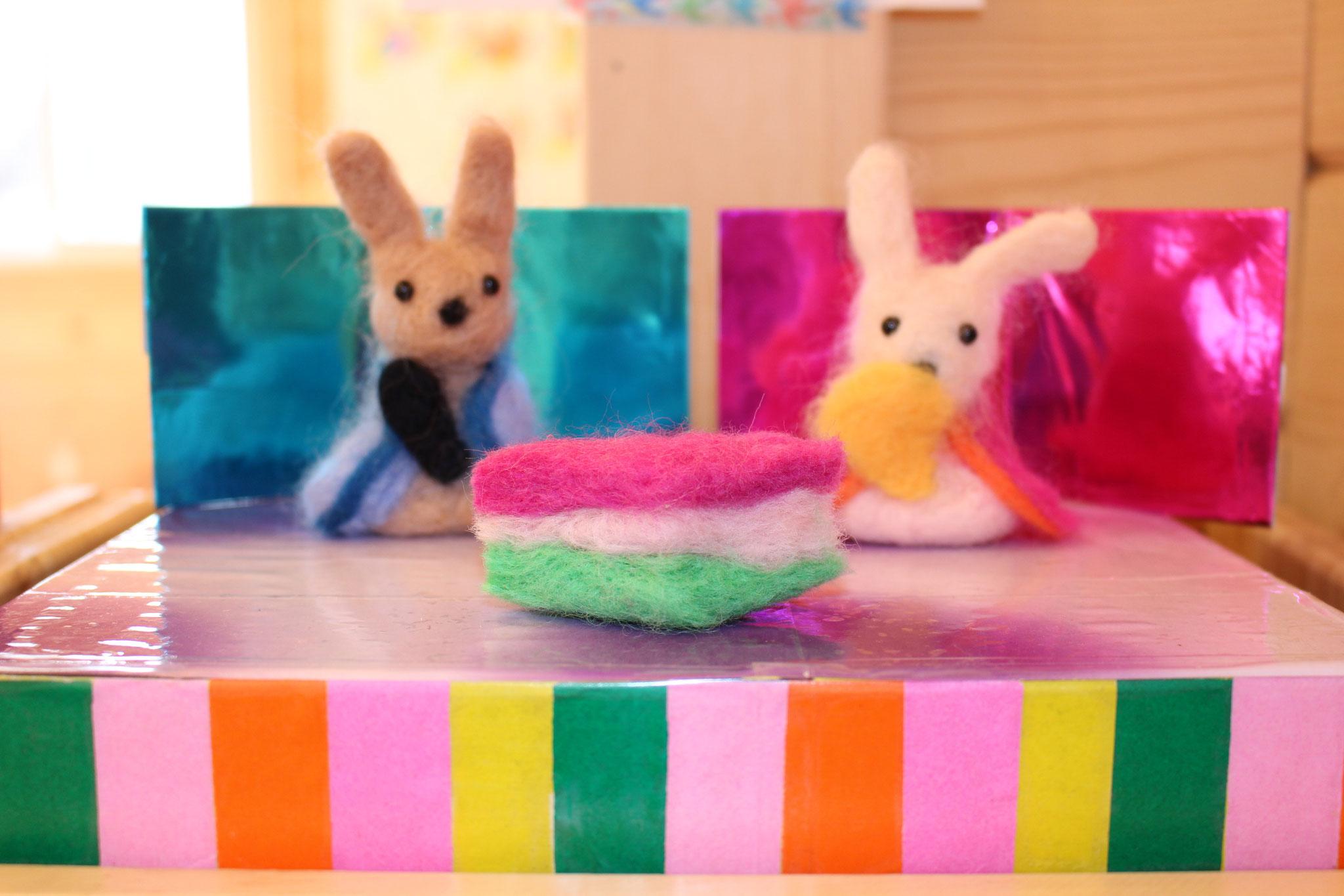 K先生も 子どもたちの 健やかな成長を願って ぬくもりのある うさぎのひな人形を 作ってくれました( ^ω^ )ニコニコ
