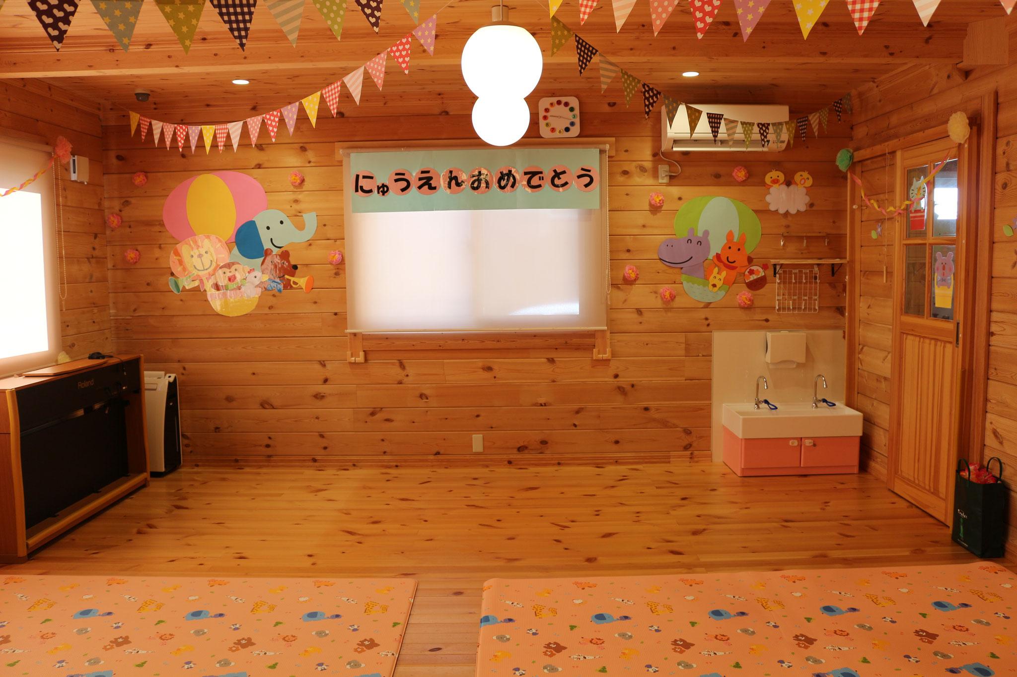 「入園式会場」増設された手洗い場がカワ(・∀・)イイ!!と評判です!