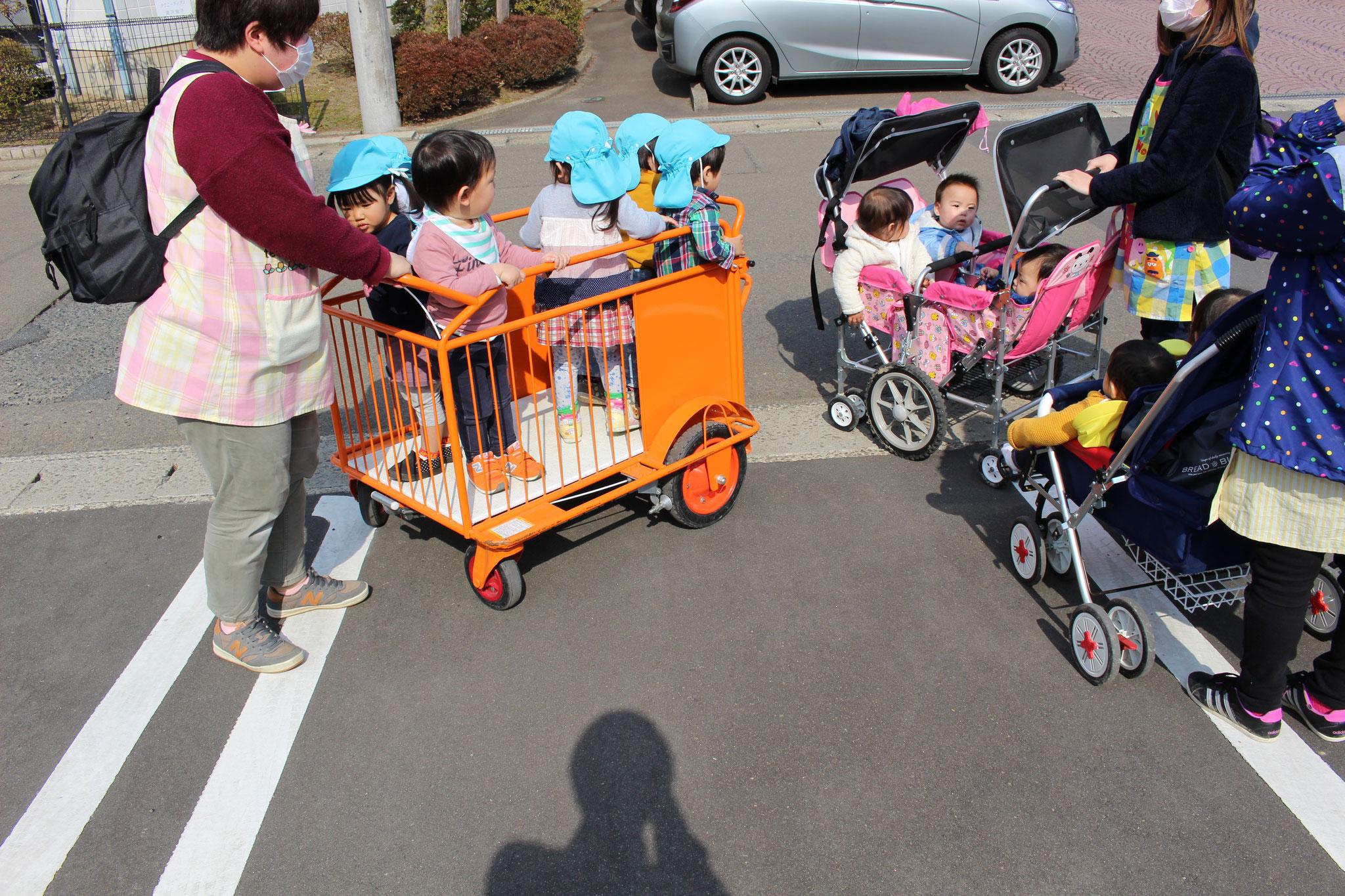 広域避難場所の仙台商業高等学校まで 慌てずにゆっくりと安全に移動を開始です