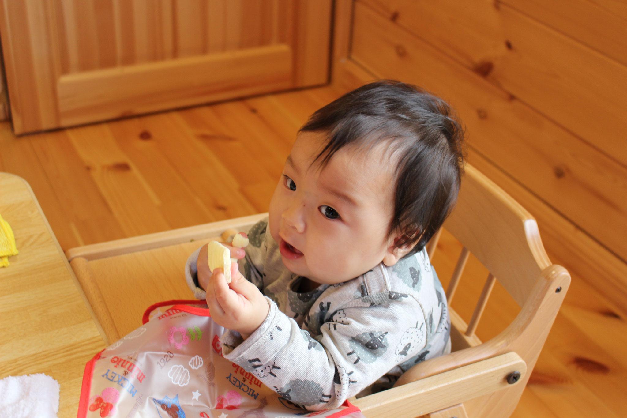 おやつも バクバク パックン 元気に 元気に 育つ Kくんの 笑顔が みんな 大好きです(*^▽^*)