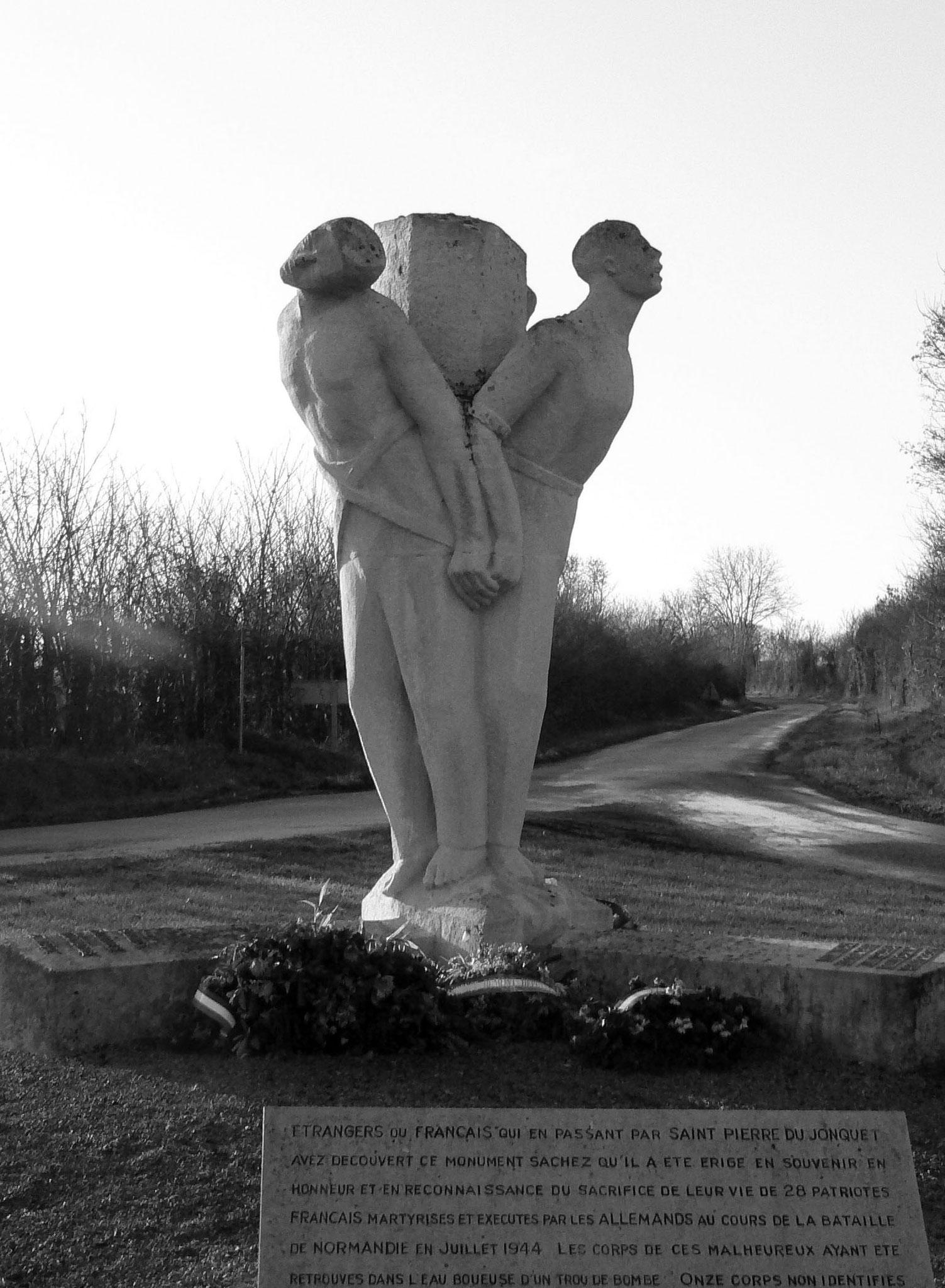 ST-PIERRE-DU-JONQUET monument