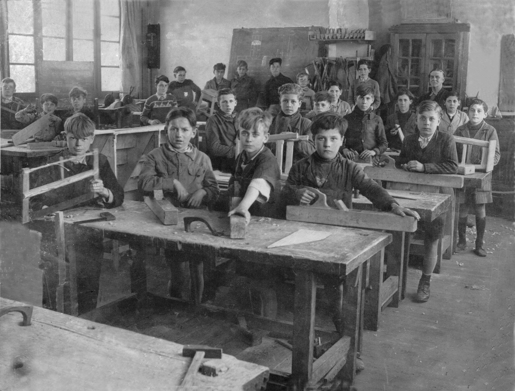 Lanois classe bois vers 1940