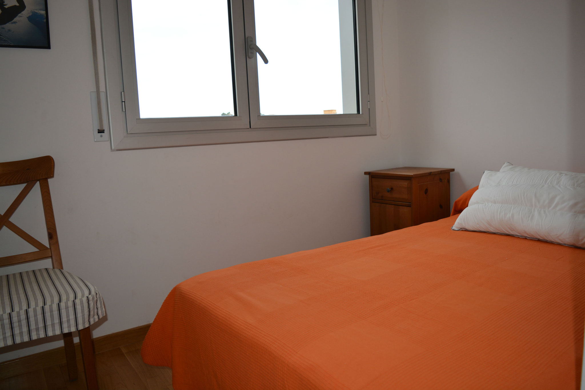 chambre avec lit 120