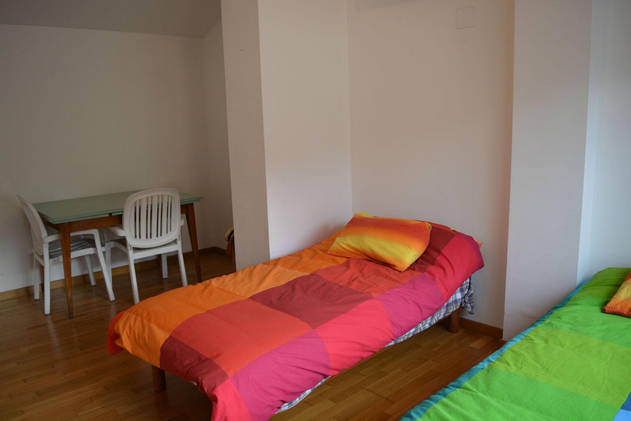 dos camas del estudio