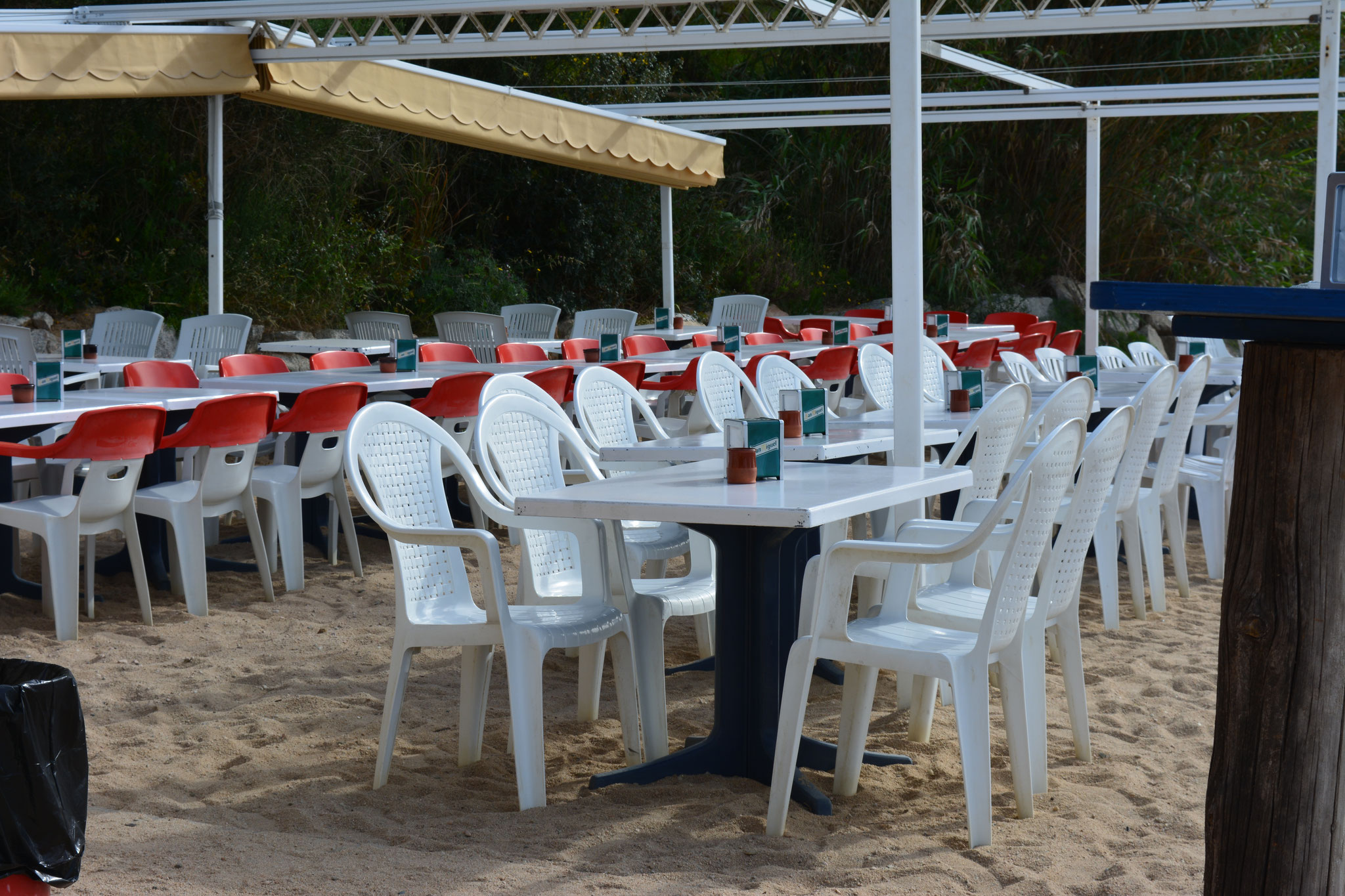Bar, restaurante en la playa