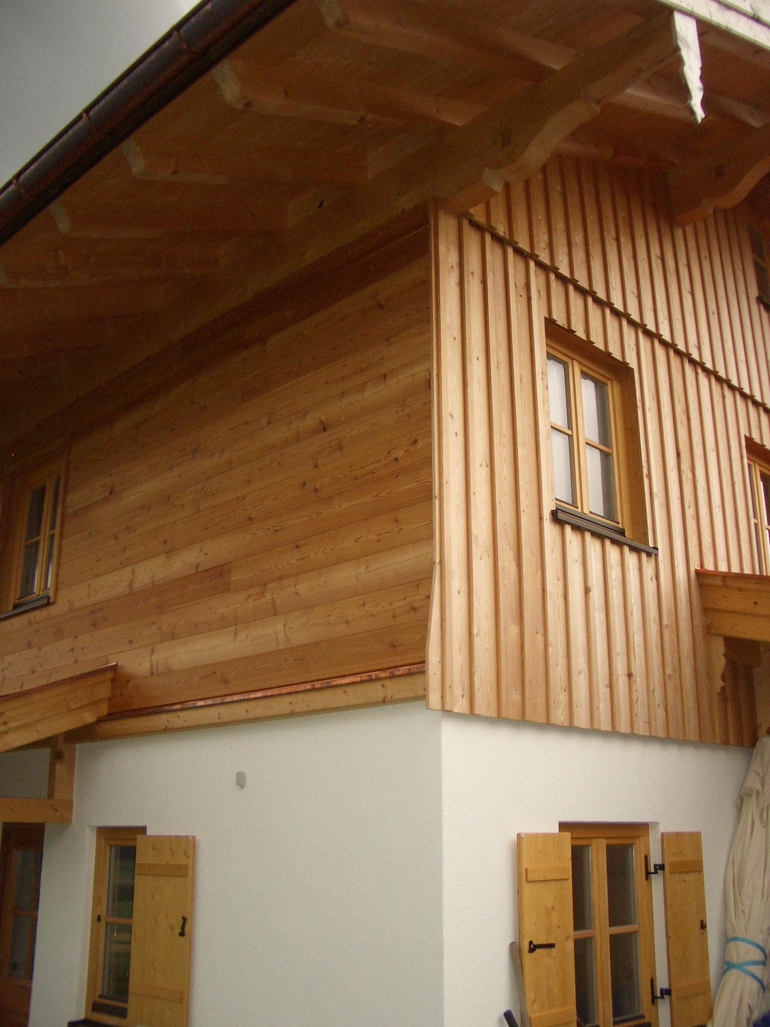 Hausfassade aus Lärchenholz