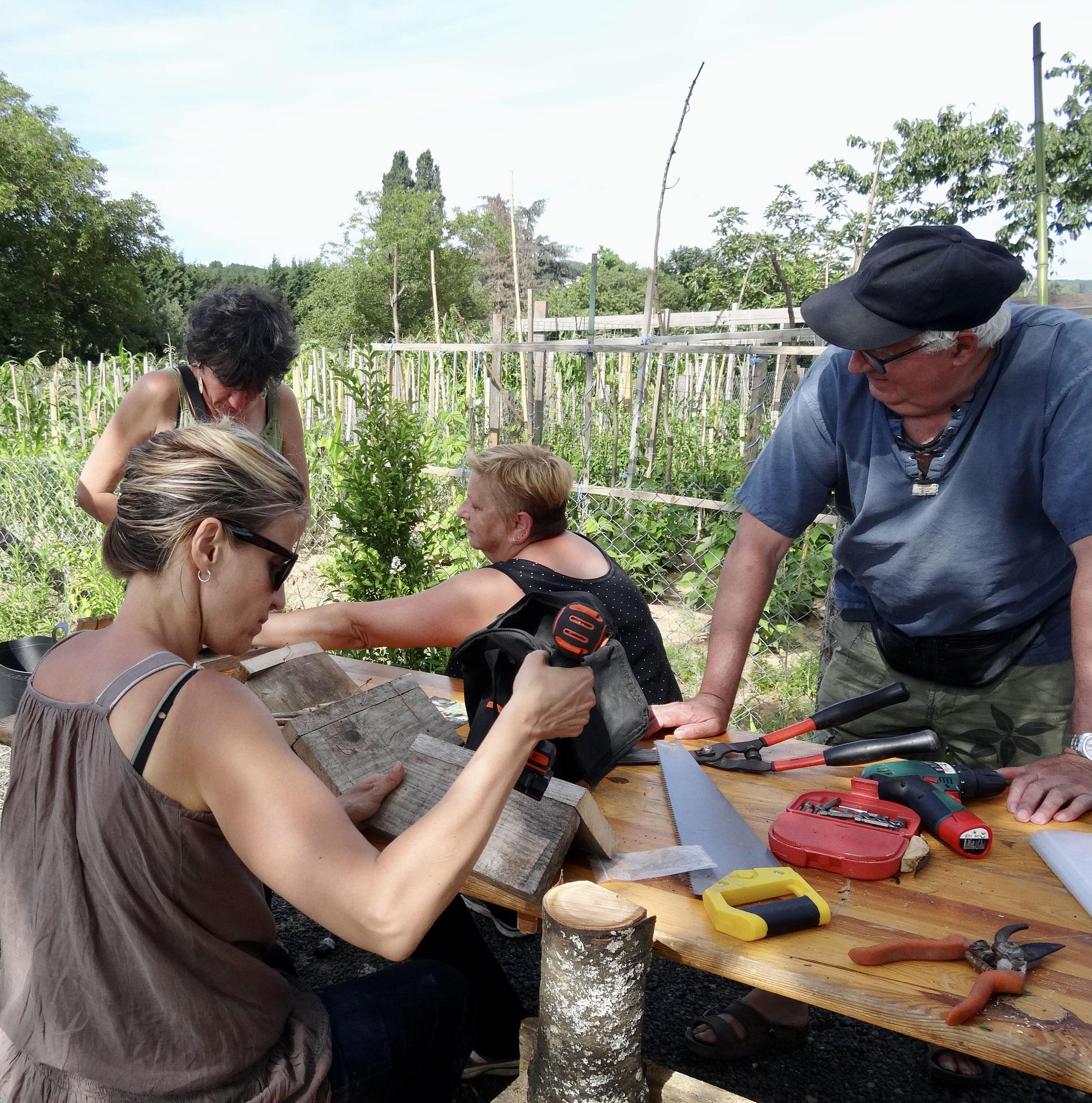 fabrication collective. jardin familiaux quincieux