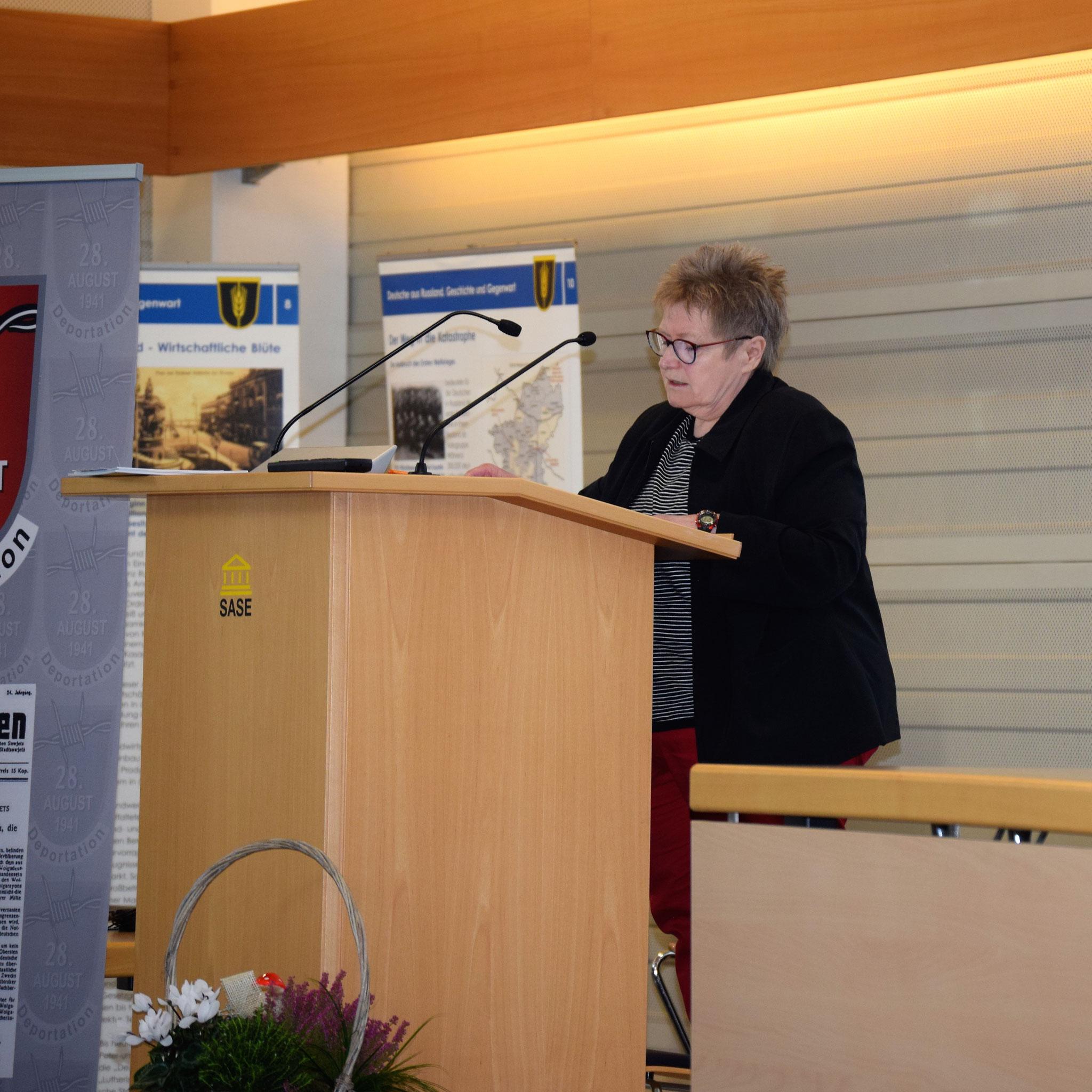 """Rosa Ananitschev liest aus ihrem Buch """"In der sibirischen Kälte"""""""
