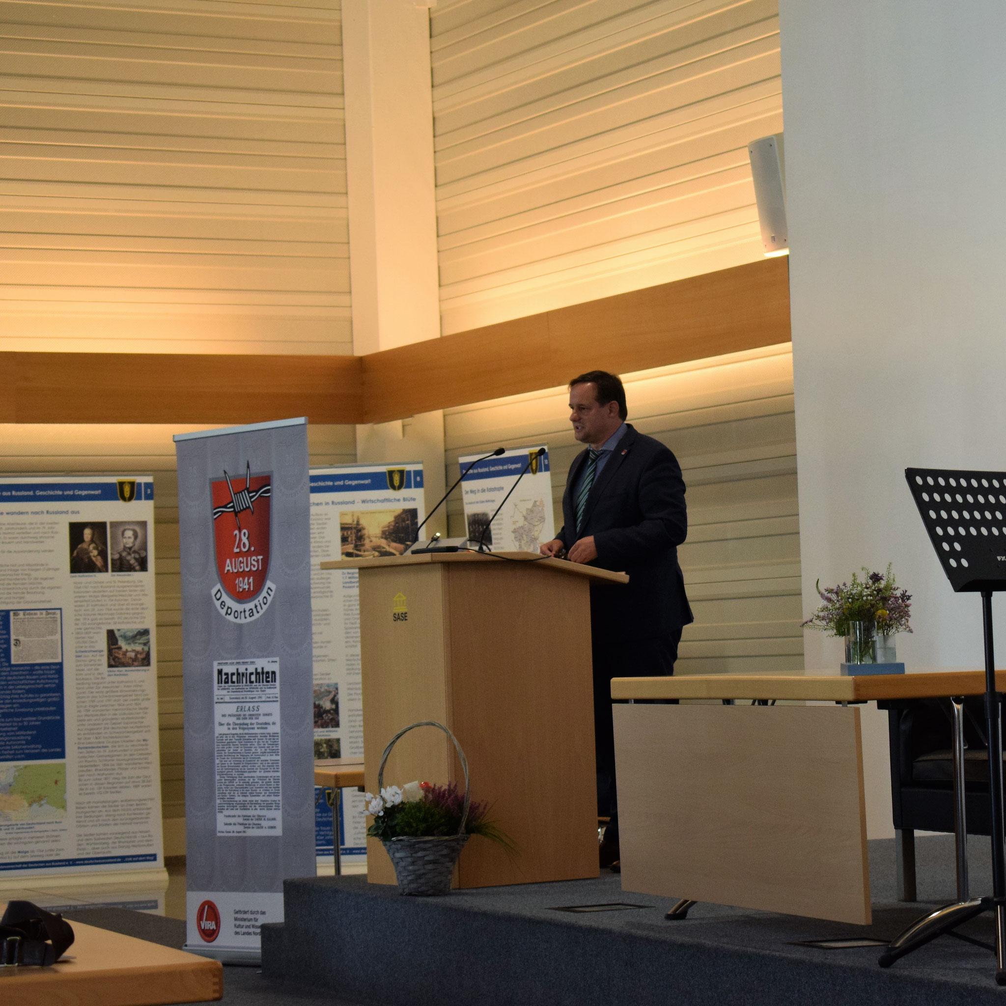Thorsten Schick. Gedenken an den Erlass zur Deportation der Deutschen in Russland vor 80 Jahren