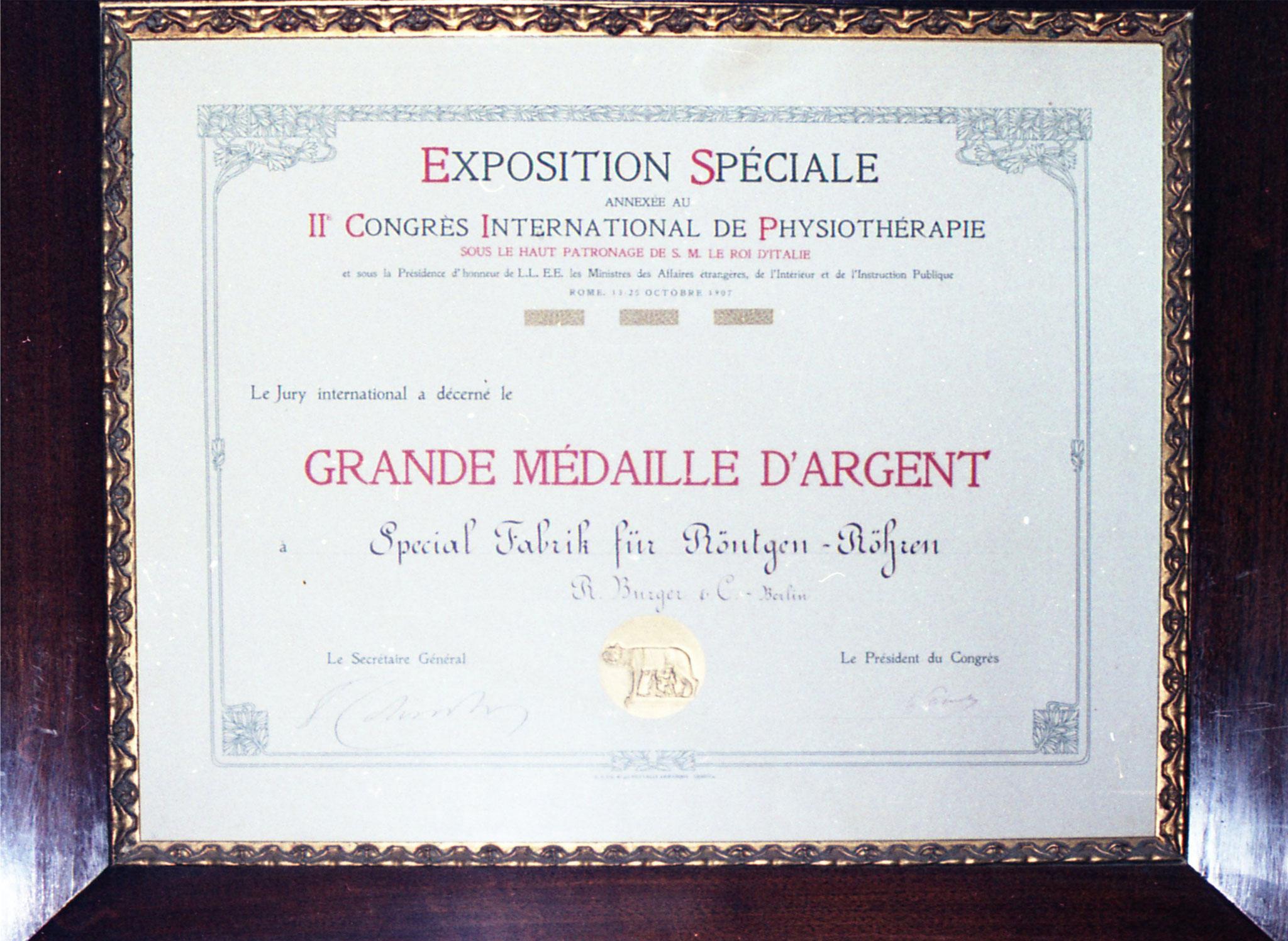 Bild: Urkunde zur Silbermedaille Kongress Rom 1907