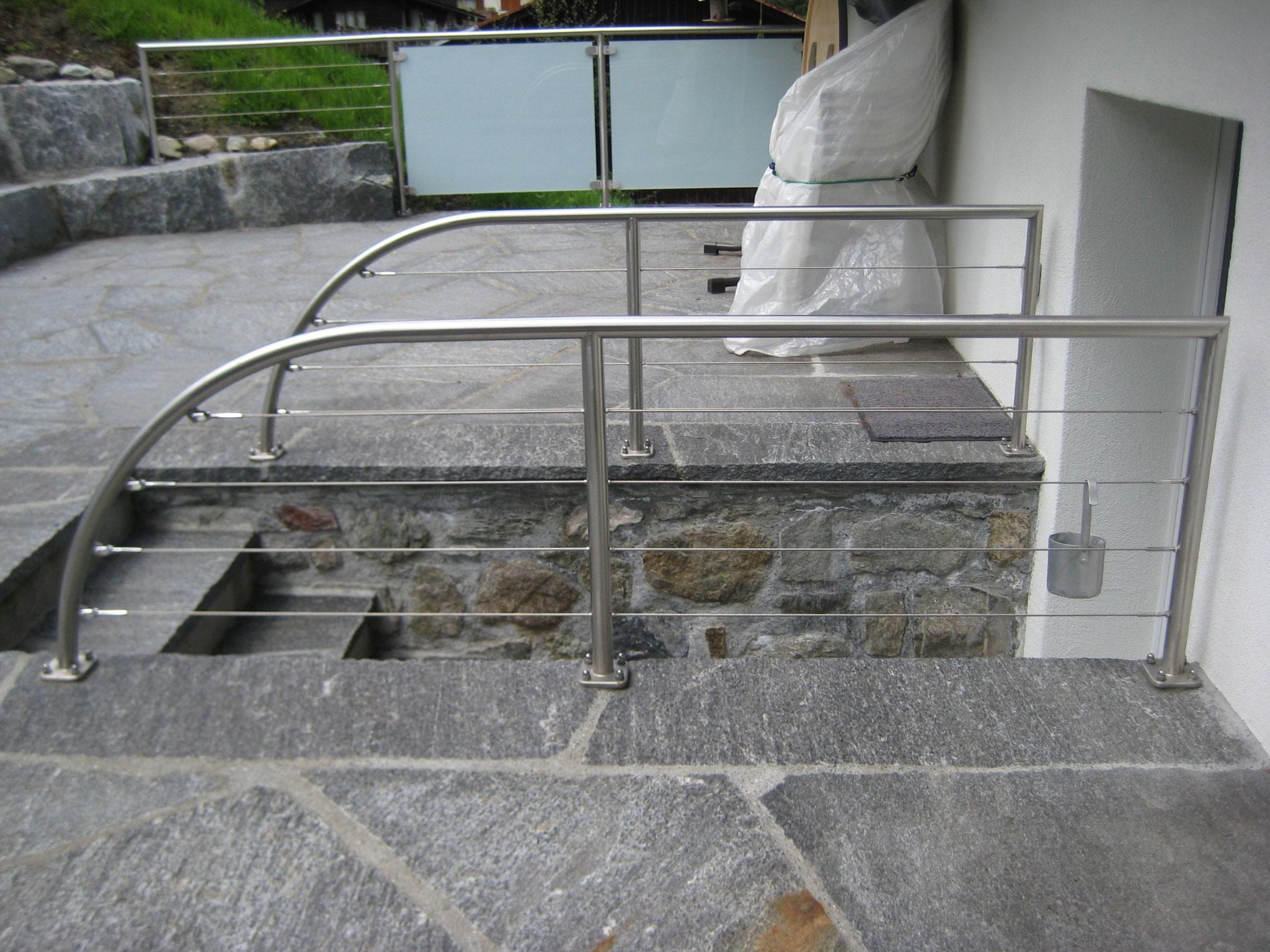 Geländer mit Edelstahlseilen