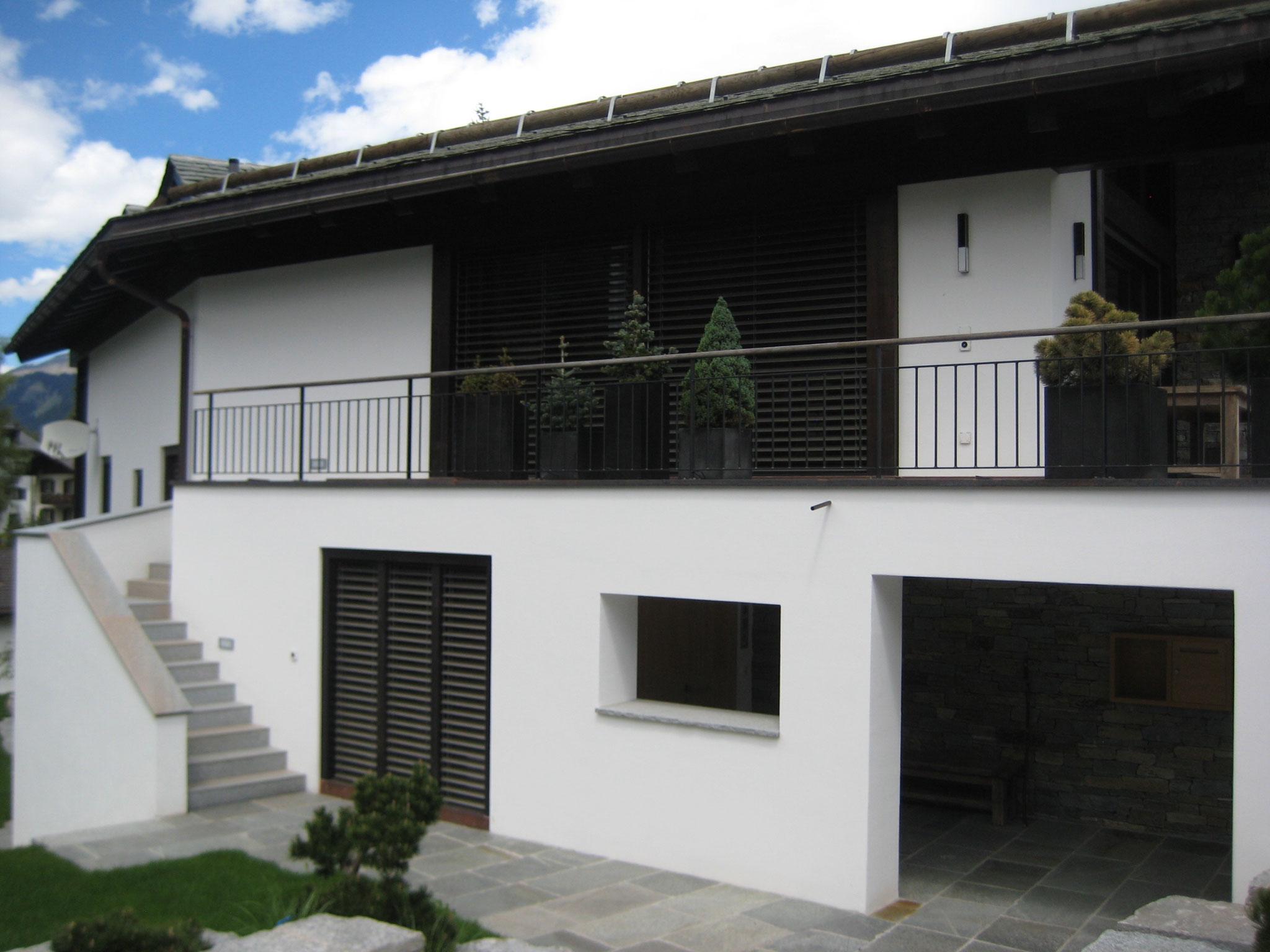 Terrassengeländer mit Holzhandlauf