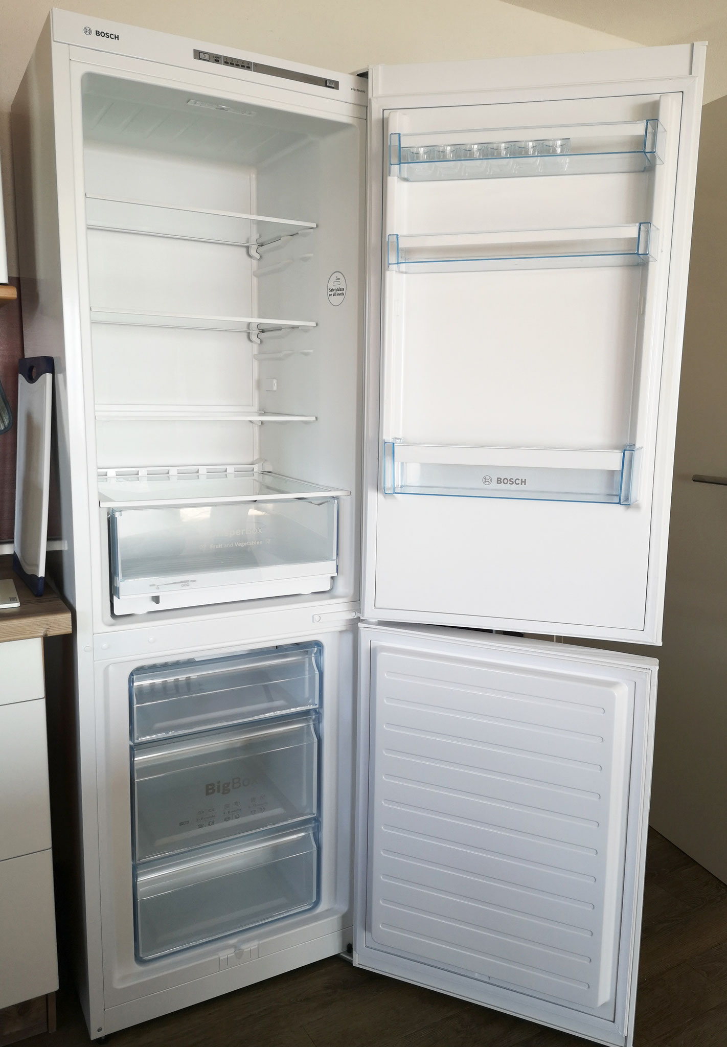 große Kühl-/Gefrierkombination