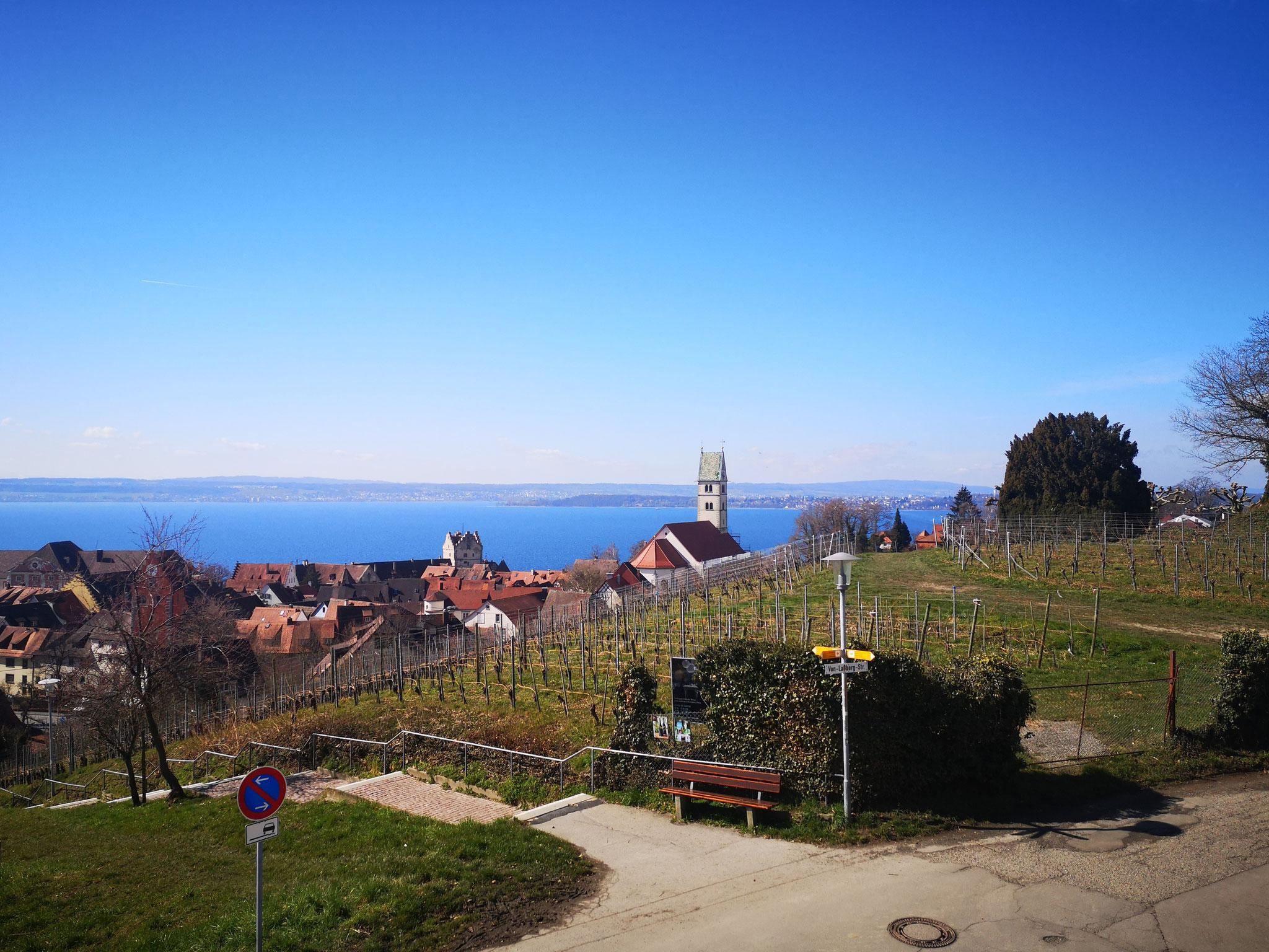 Blick über Meersburg auf den Bodensee OG