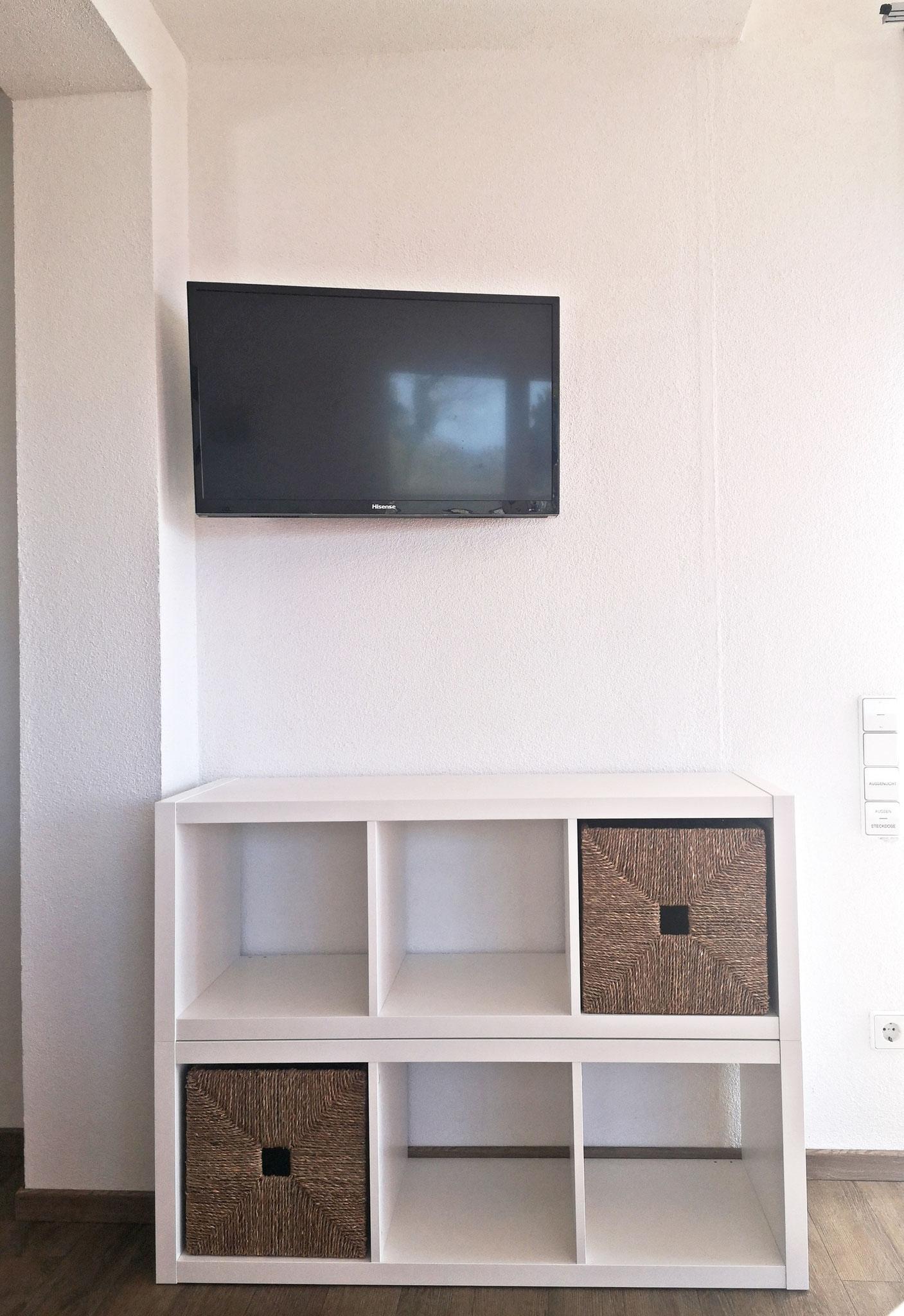 Regal unter TV Wohnen