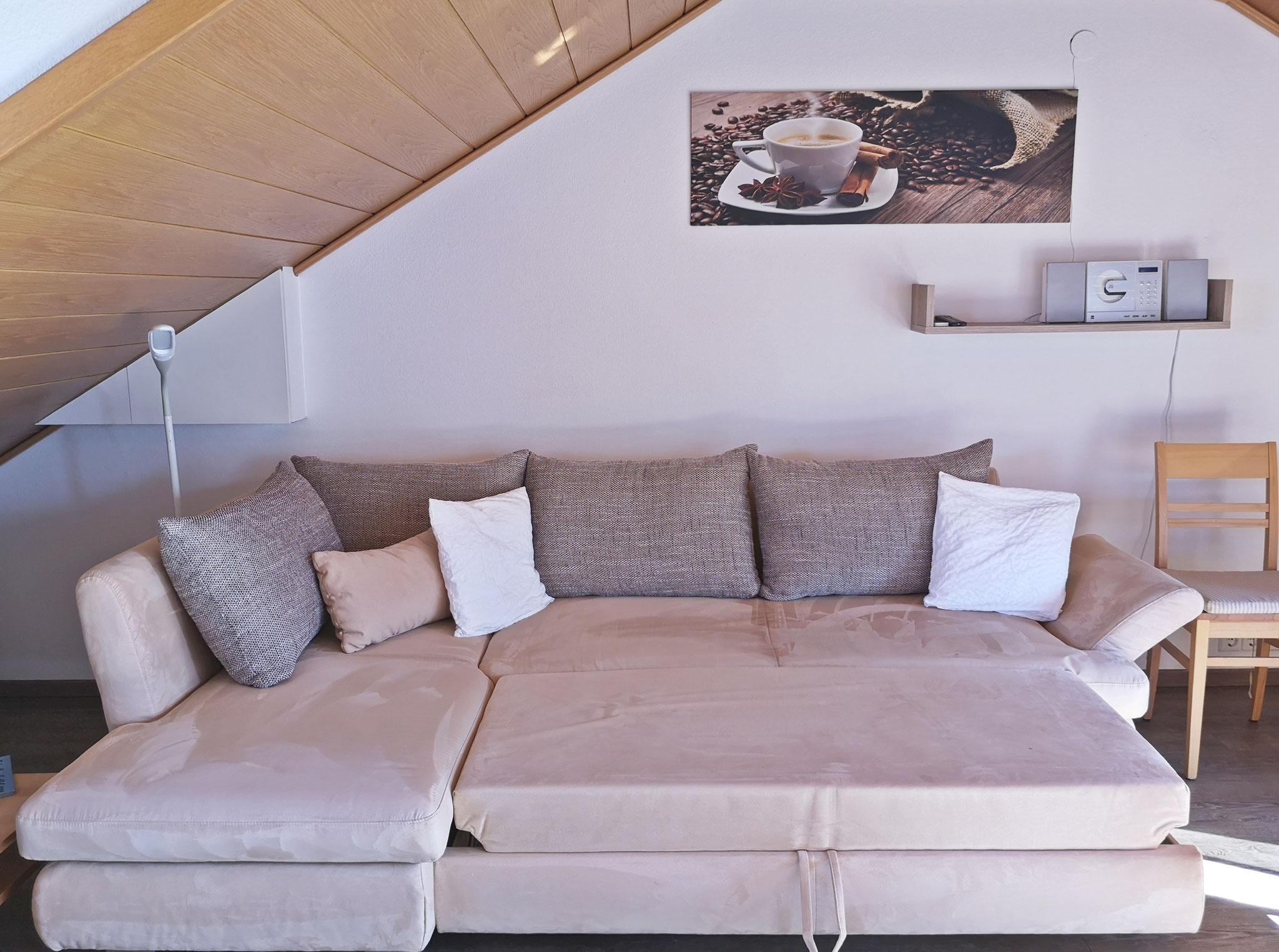 ausziehbares Sofa (zwei weitere Schlafplätze)
