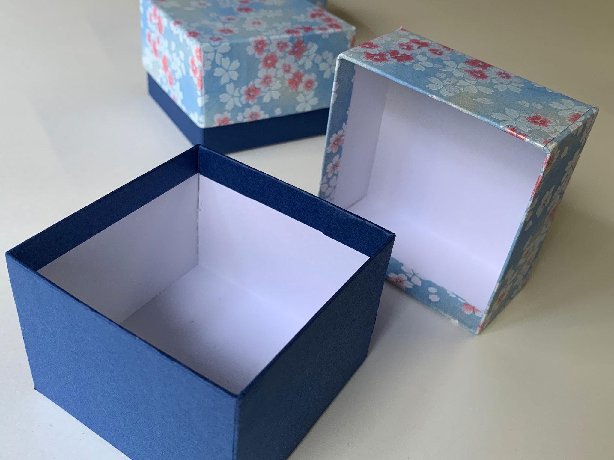 青を基調にした千代紙と鳥の子紙の貼り箱を別注で作製しました