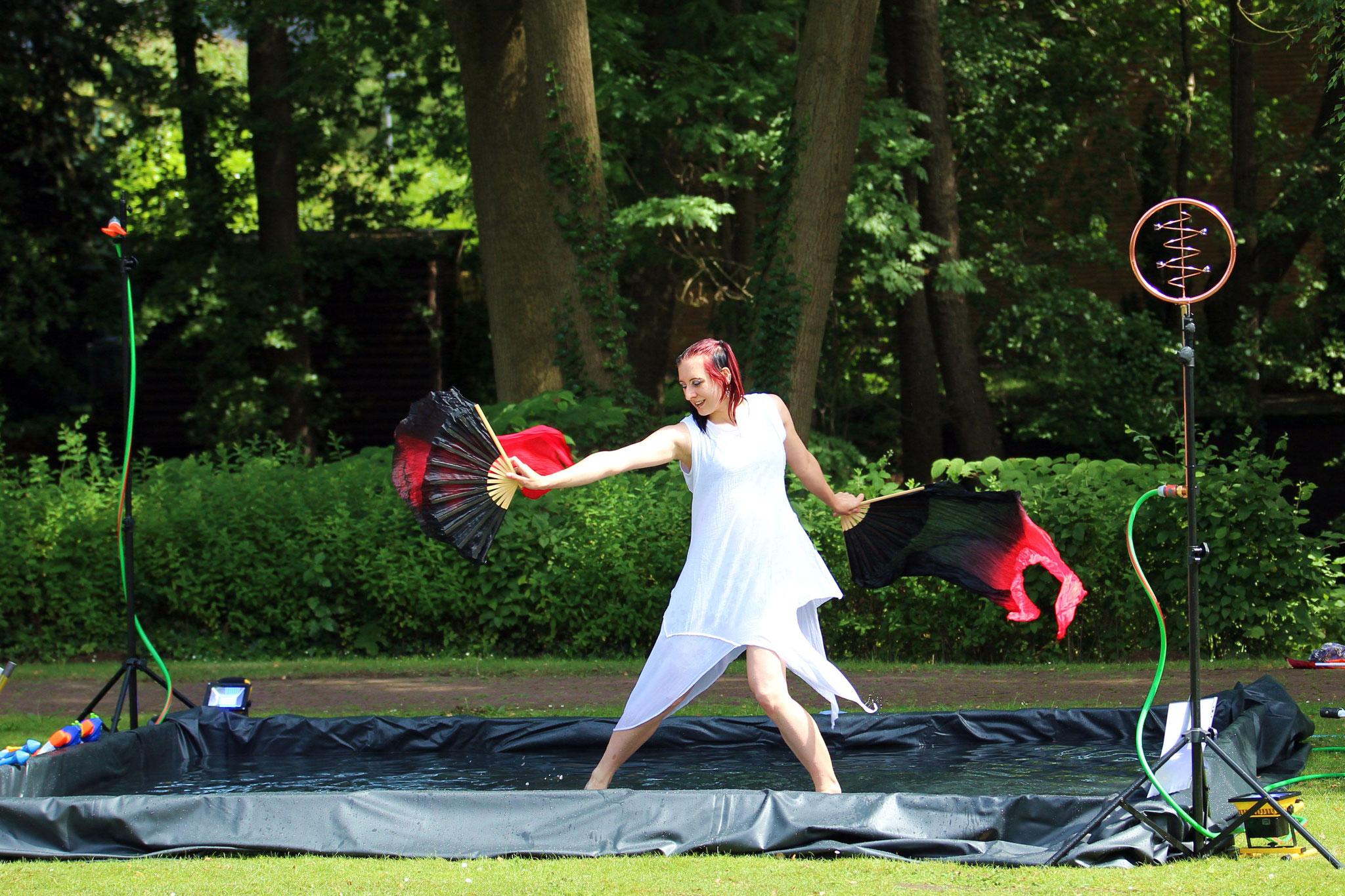 Schleierfächer Tanz in Hamburg|Foto: Verwünscht Photografie
