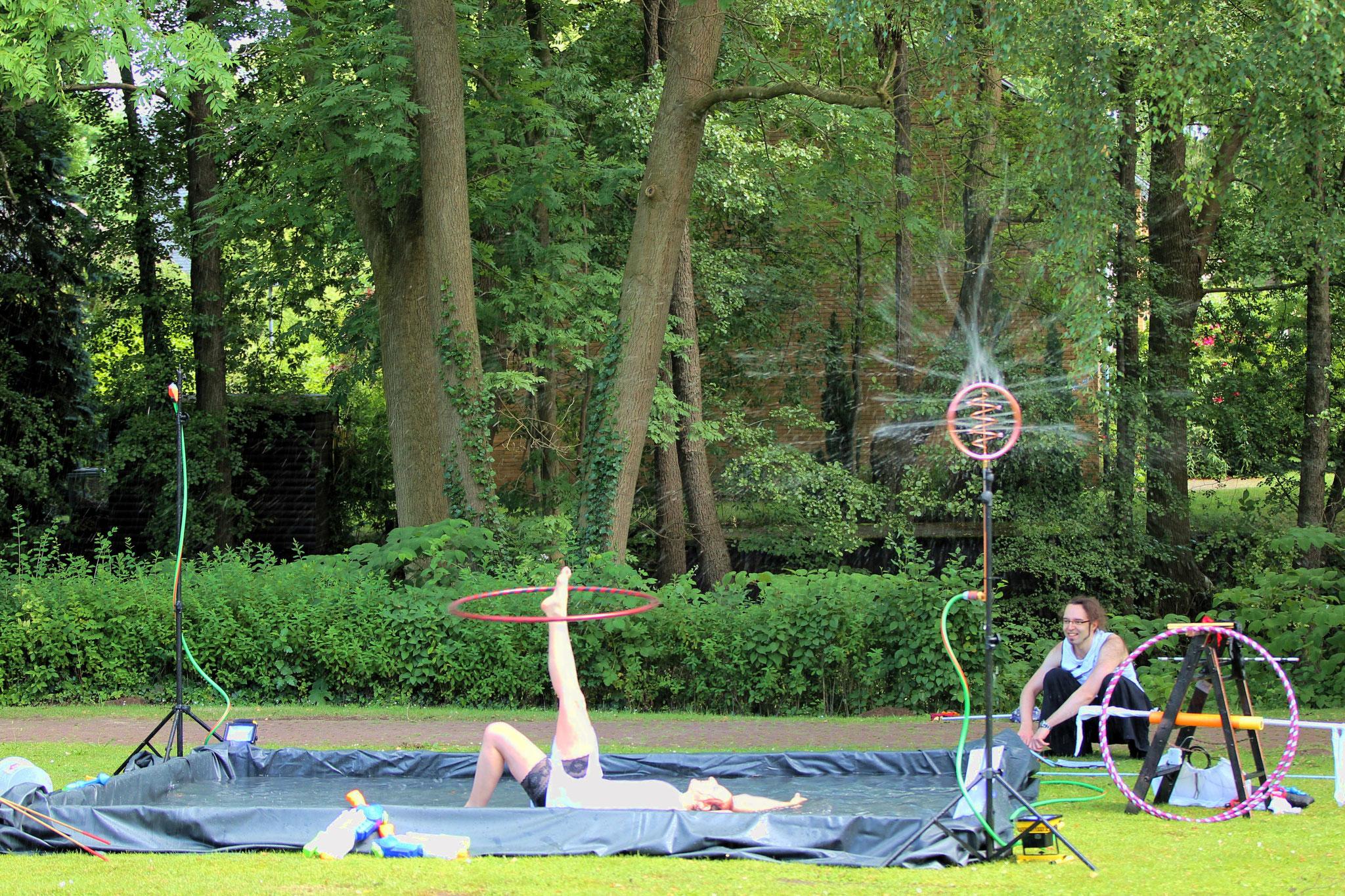 Wasserspiele im Sommer  |Foto: Verwünscht Photografie