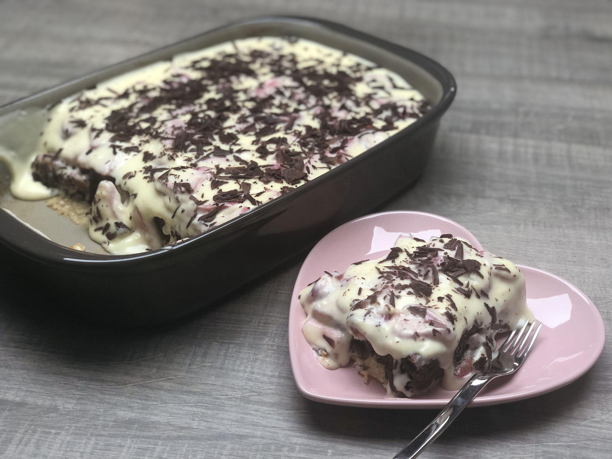 Ihr solltet den Kuchen länger im Kühlschrank fest werden lasse, wir konnte nicht abwarten und mussten den Kuchen schnell anschneiden um diesen zu genießen ♥