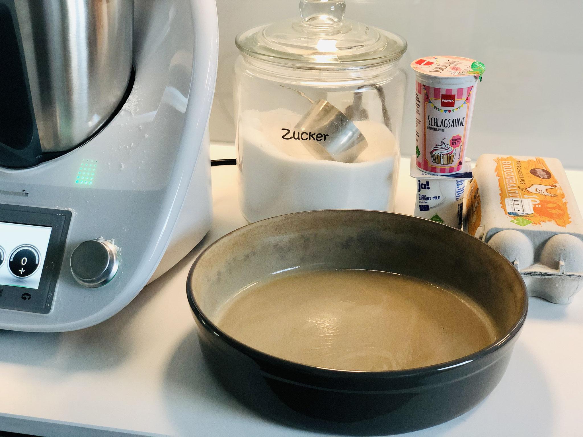 Hier siehst du wie ich alles vorbereite und bereit stelle um den Kuchen in der runden Ofenhexe® Leila von Pampered Chef® zu backen....