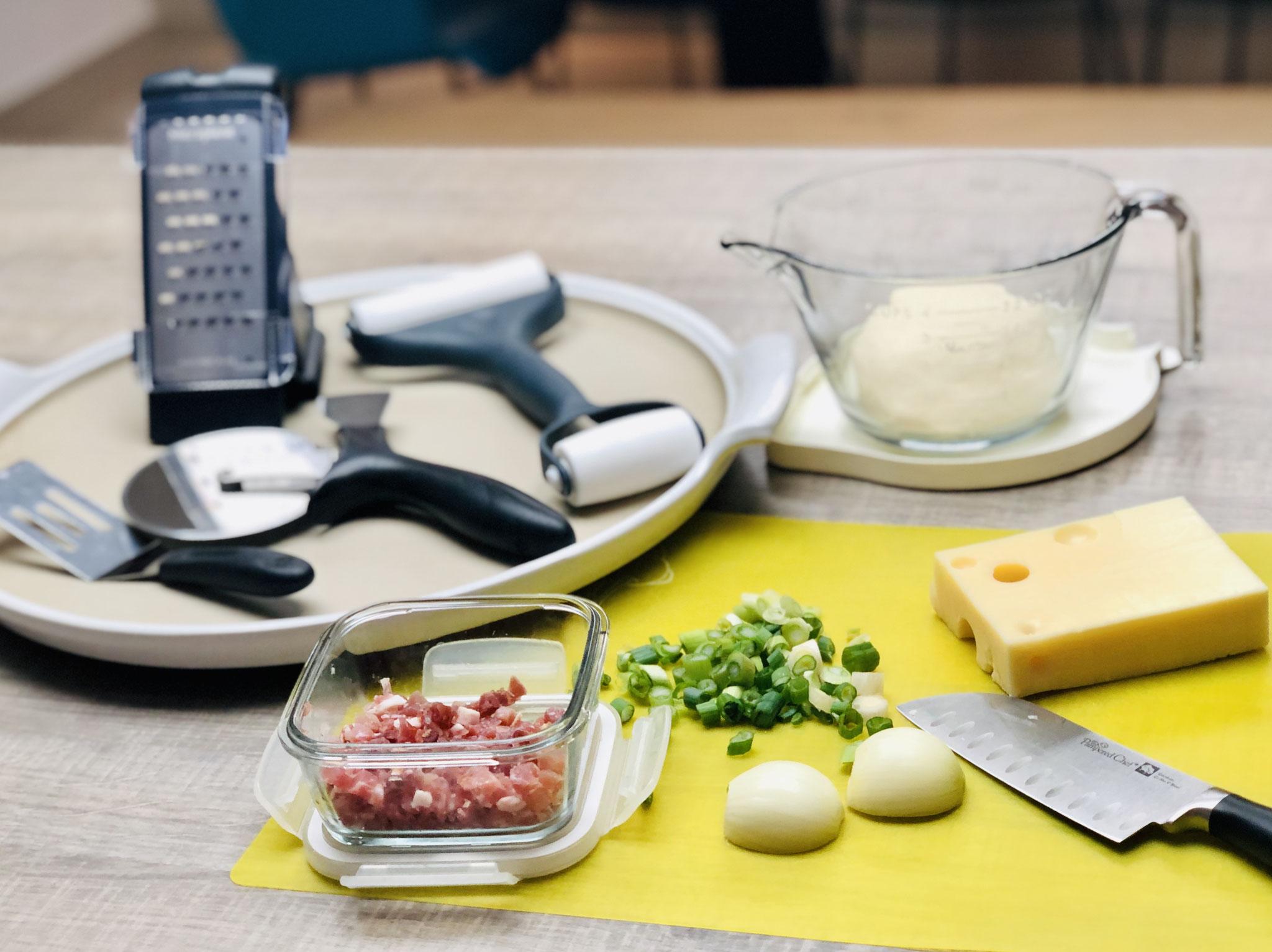 Diese Zutaten benötigst du für deinen leckeren Flammkuchen vom Stein