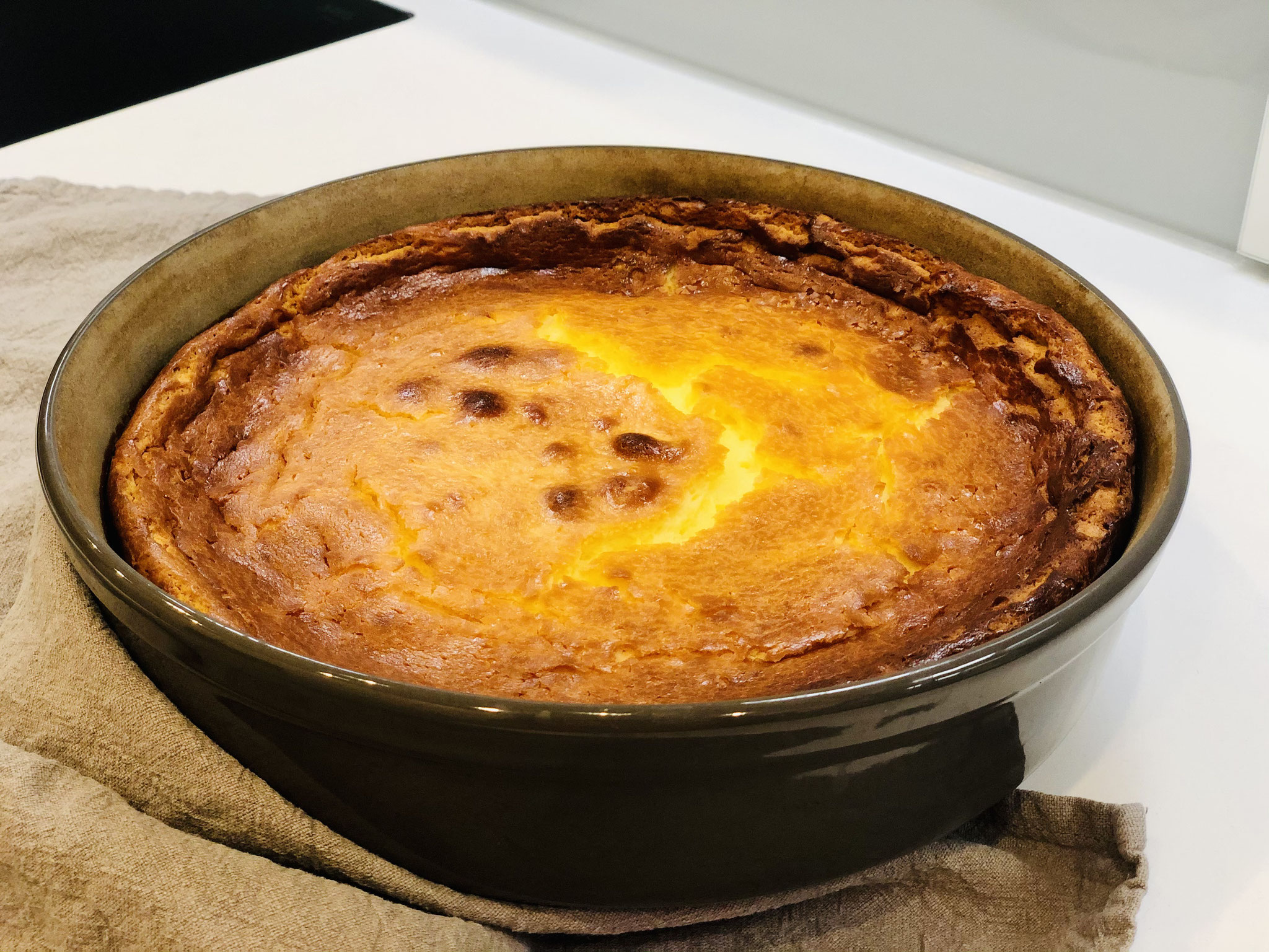 Hier siehst du den abgekühlten Käse/Schmand-Kuchen ♥