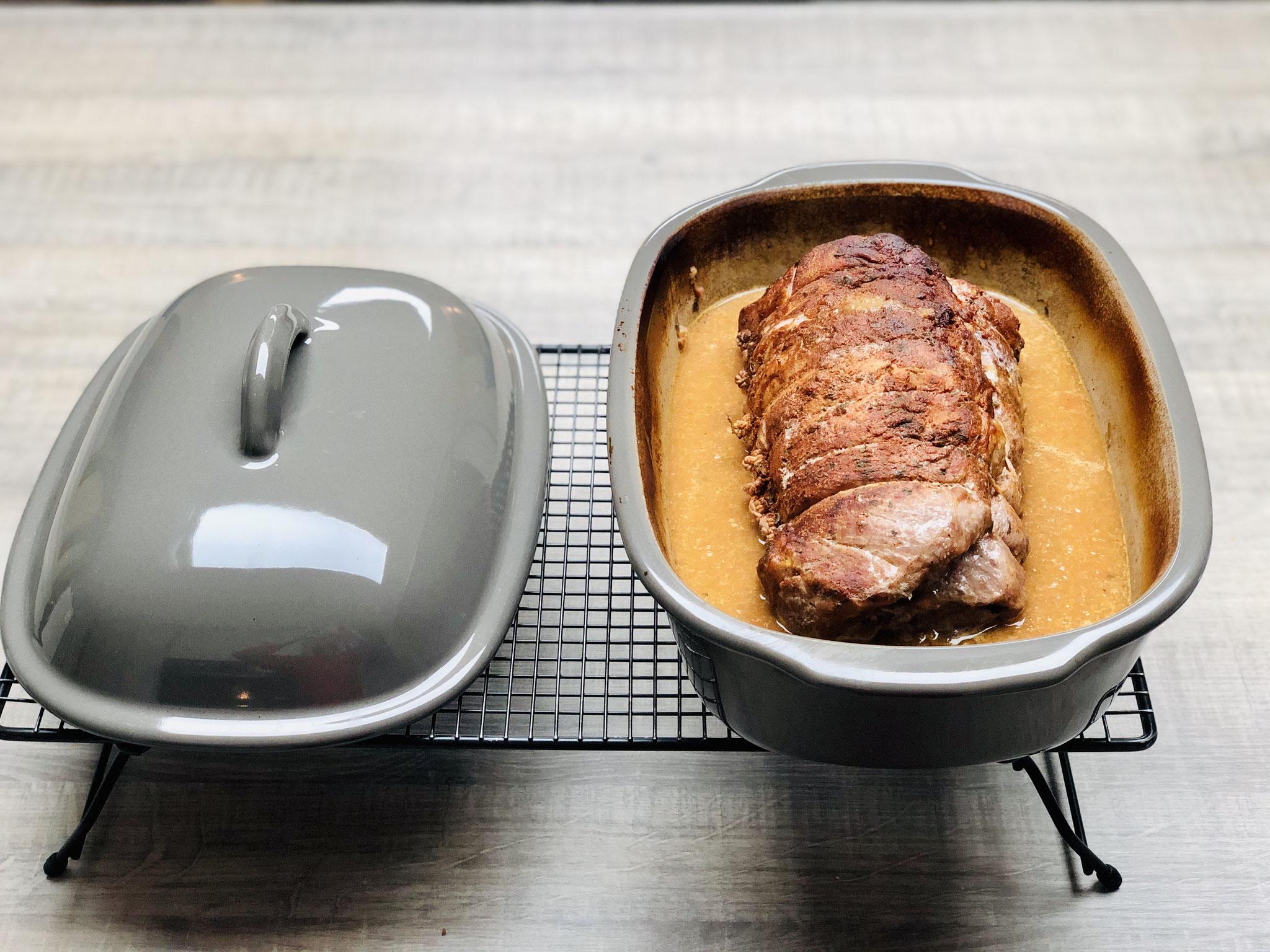Feiner Schweine Spießbraten in cremiger Sauce aus dem Ofenmeister von Pampered Chef®