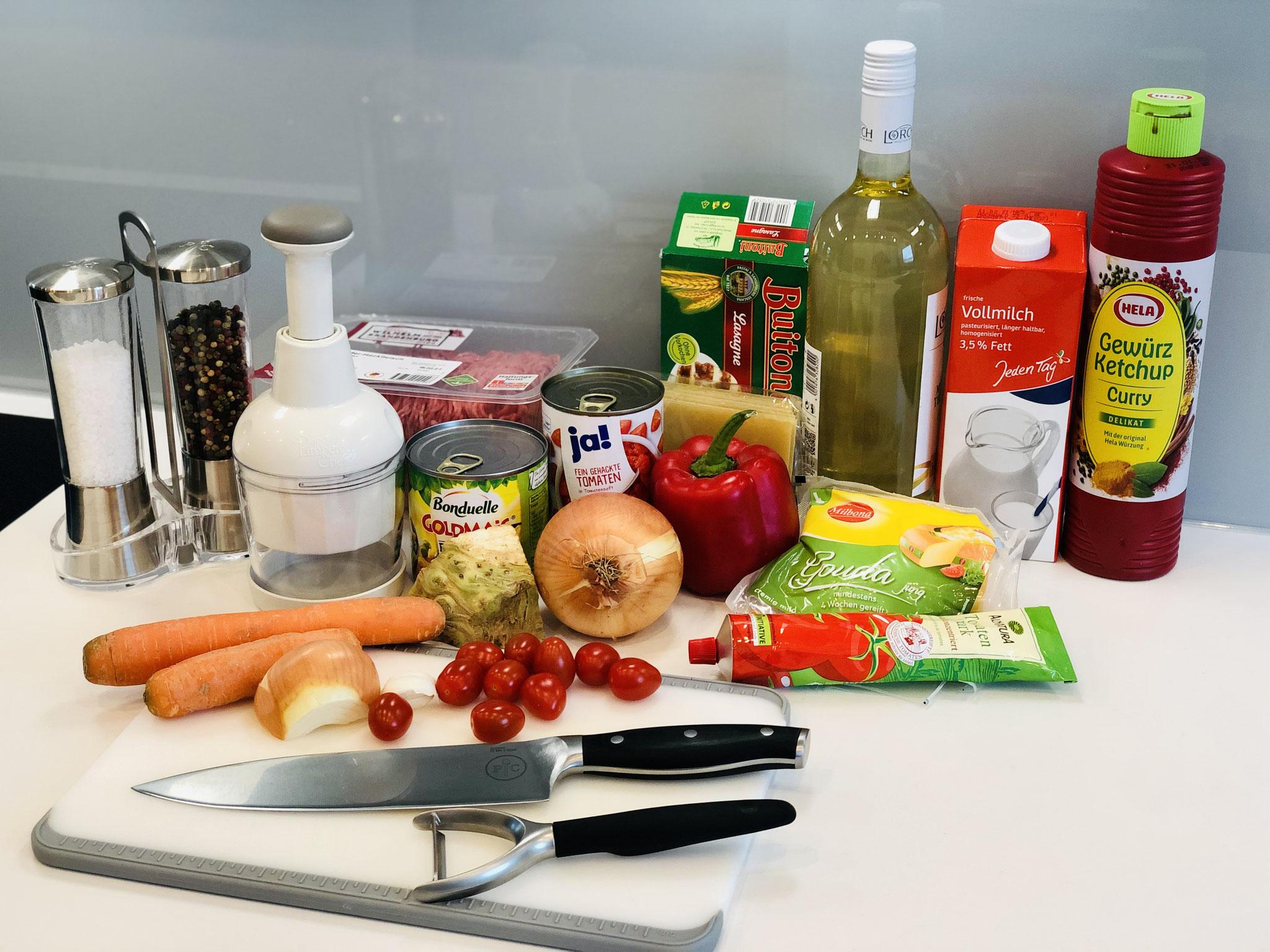 Ich lege mir alle Speisen zurecht und auch die Produkte die ich zum schneiden benötige...