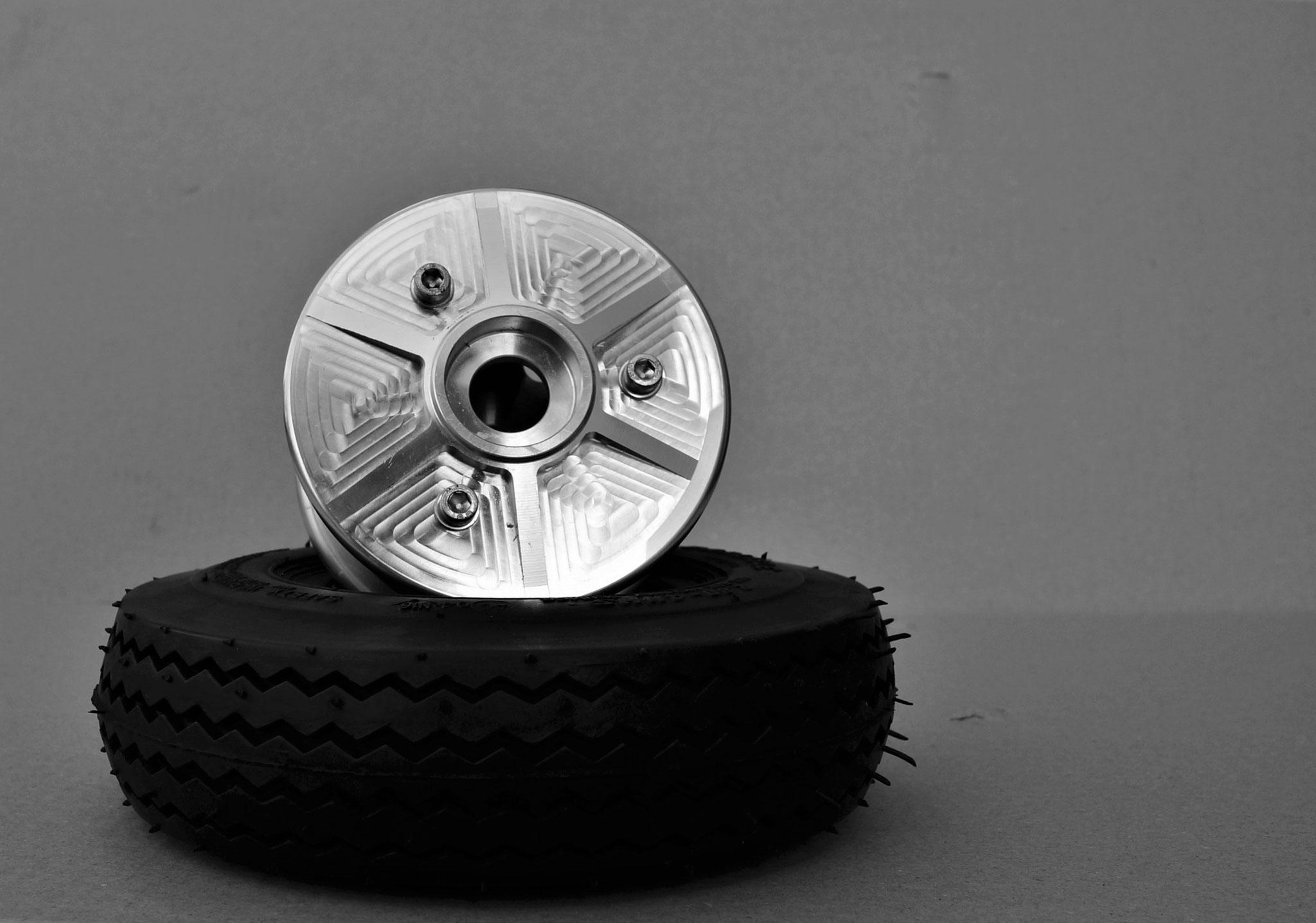 Felge und dazugehöriger Reifen