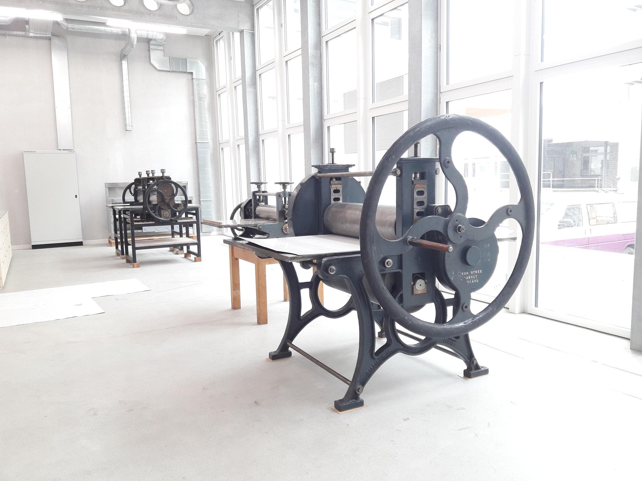 Frisch gestellte Druckmaschinen