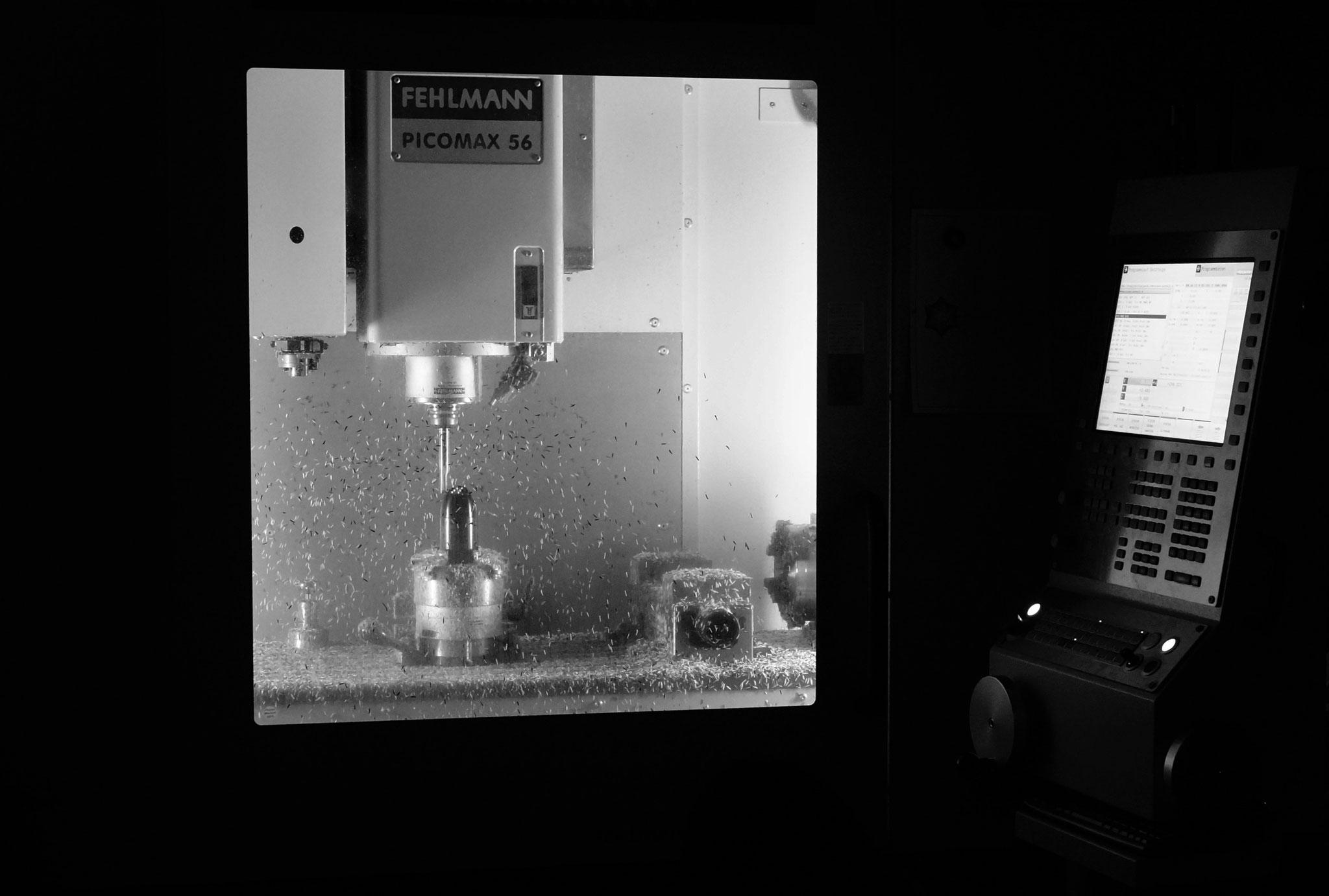 Florence in der Fräsmaschine