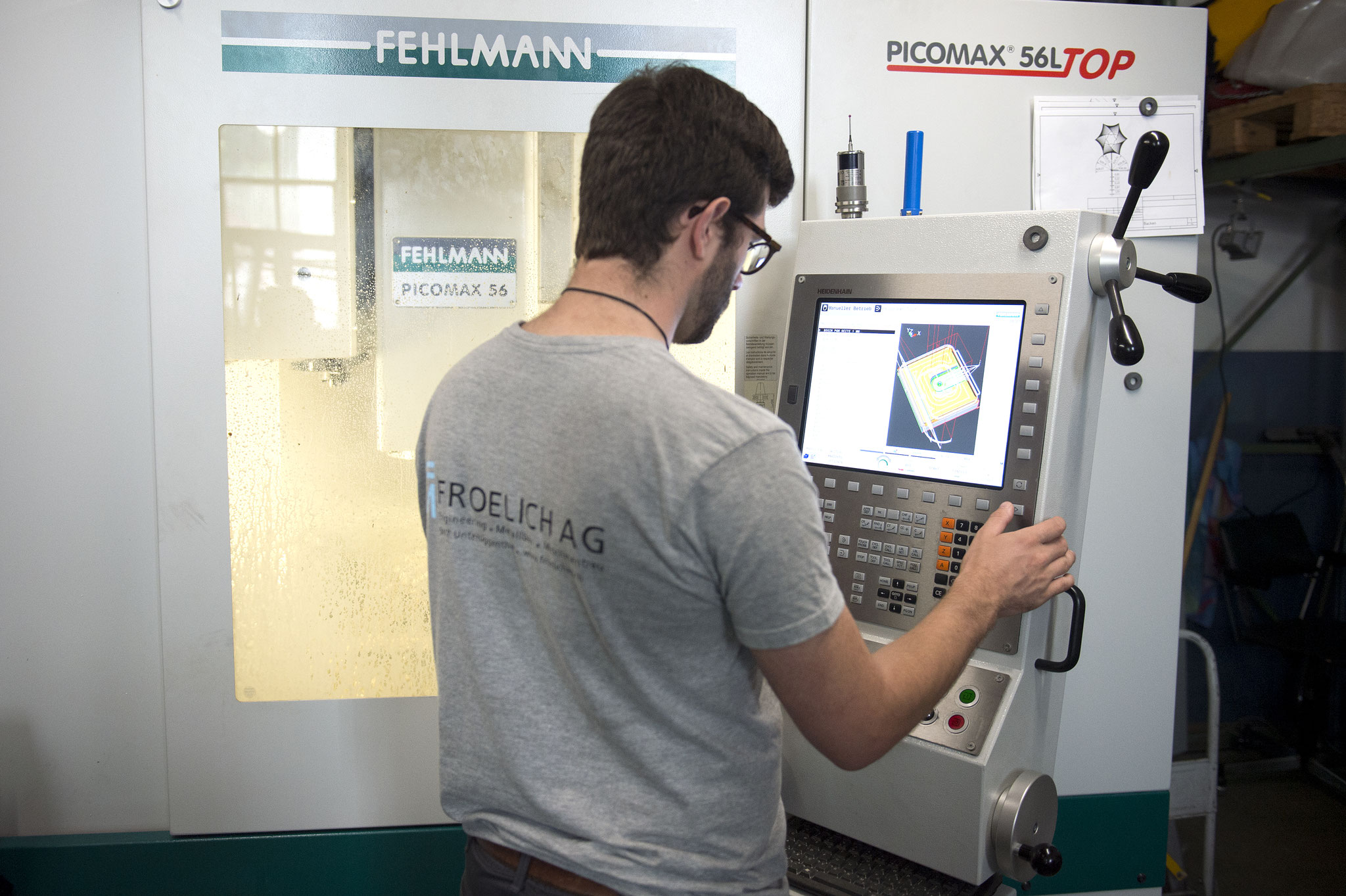 Fertigen und Programmieren an der Maschine