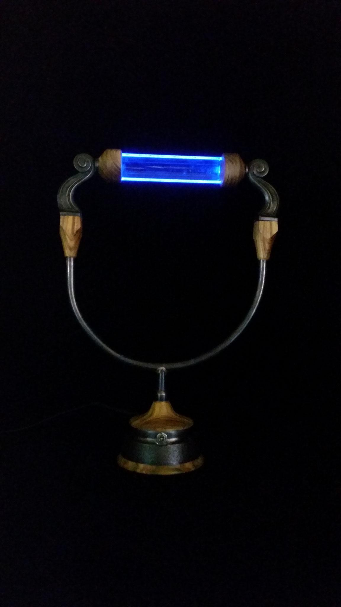 blaue Leier- Essigbaum, Stahl,Kupfer, Messing & Glas (H=ca 30cm)