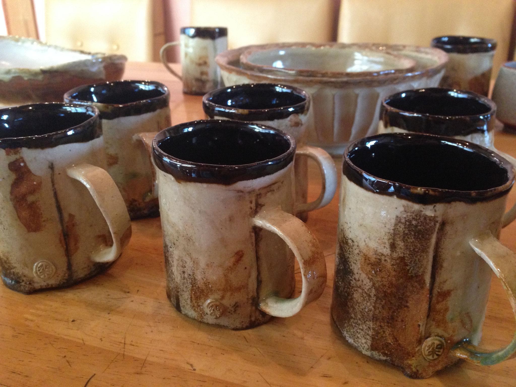 ベンガラを使った作家さんの食器たち
