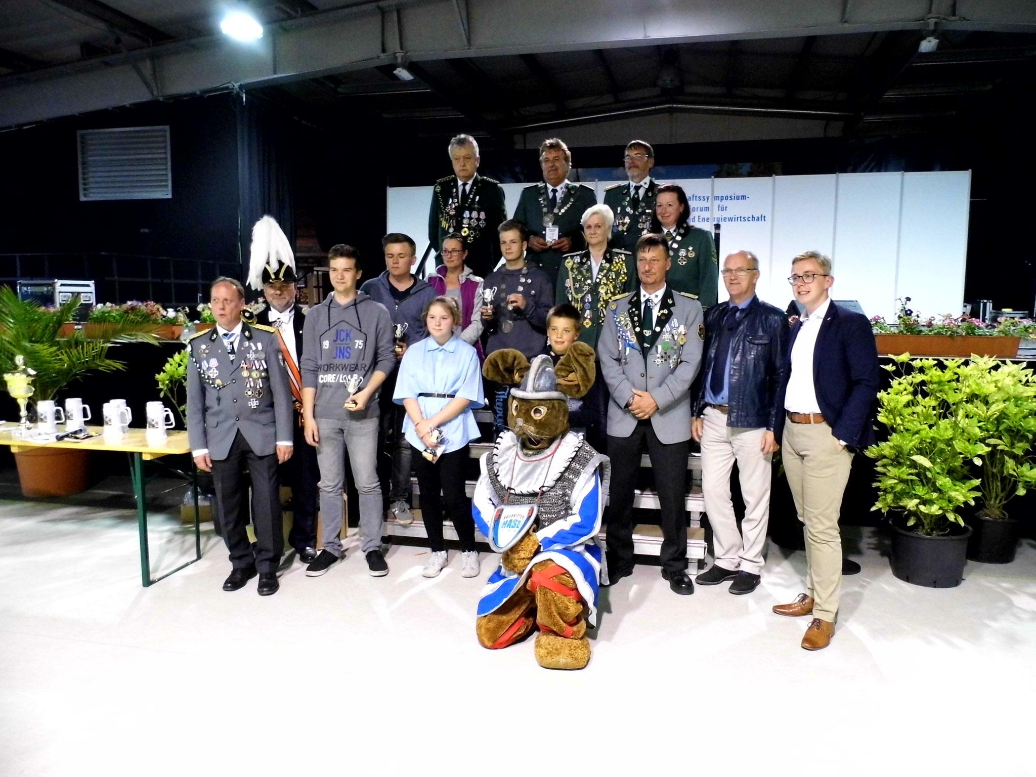 Gruppenfoto der Gewinner des 54. Provinzial-Schützenfestes 2017.