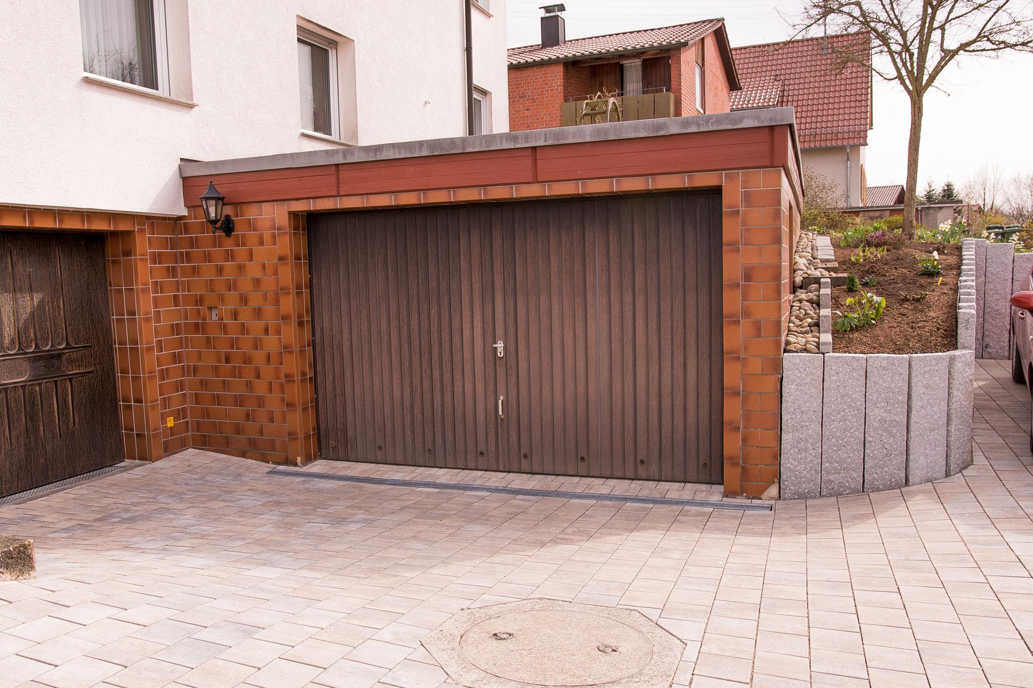 Neugestaltung Hofeinfahrt und Außenanlage