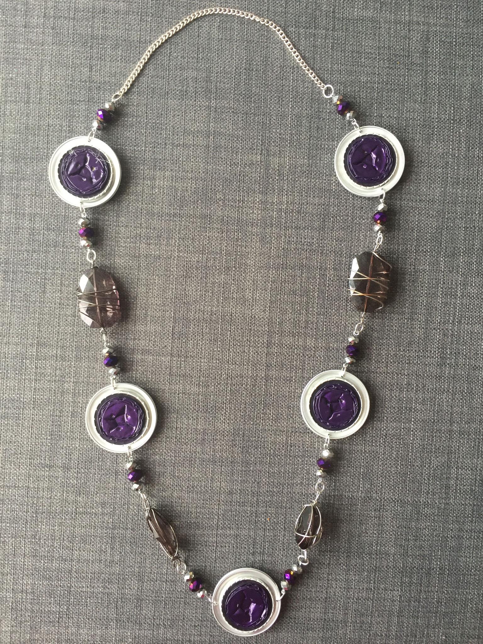 Lange Perlenkette (violett)
