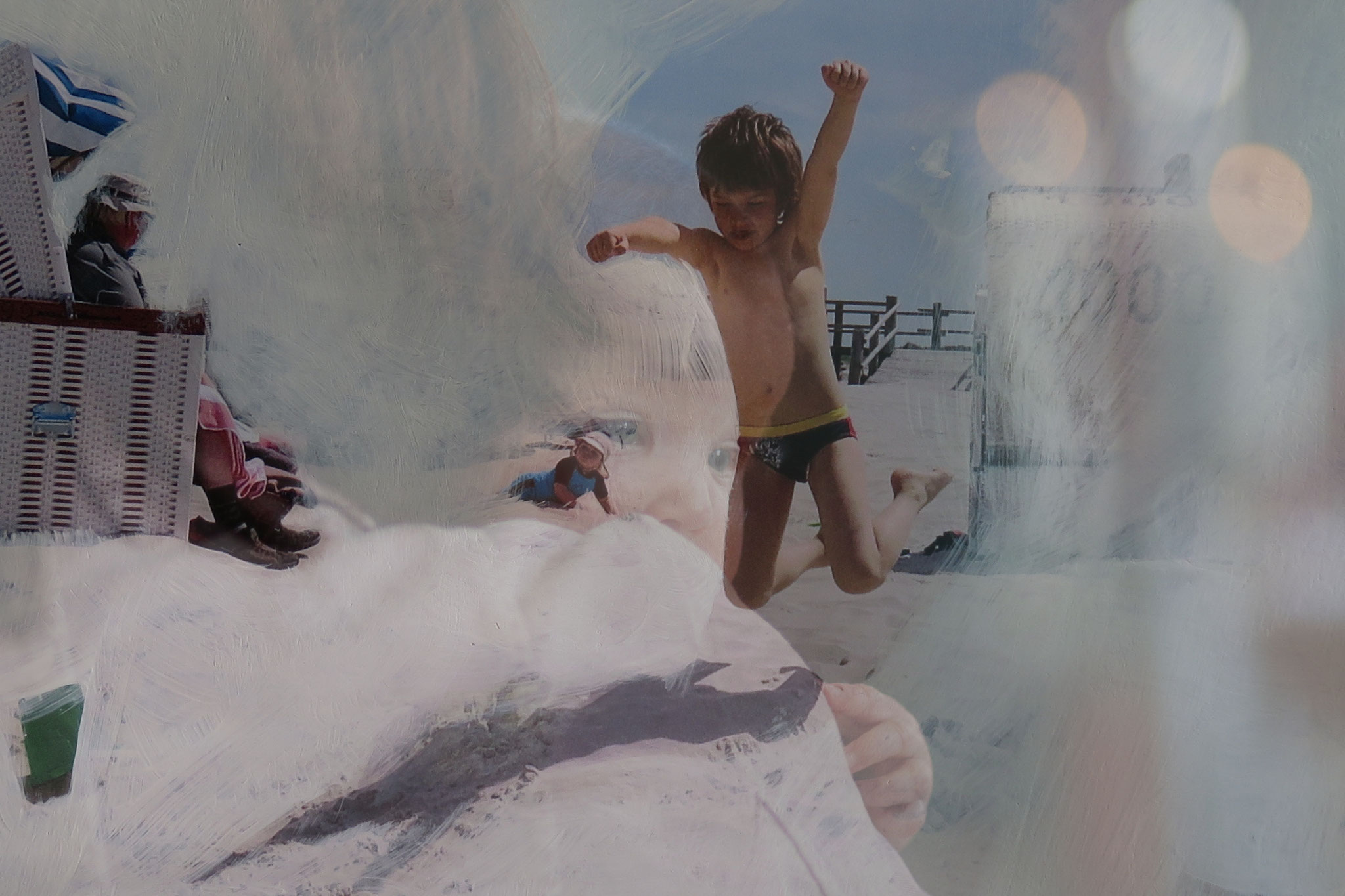 """""""Fast forward"""", digital geschichtete Fotografie, Acrylfarbe auf Foto, Ausstellung """"Fundamental Ephemeris"""""""