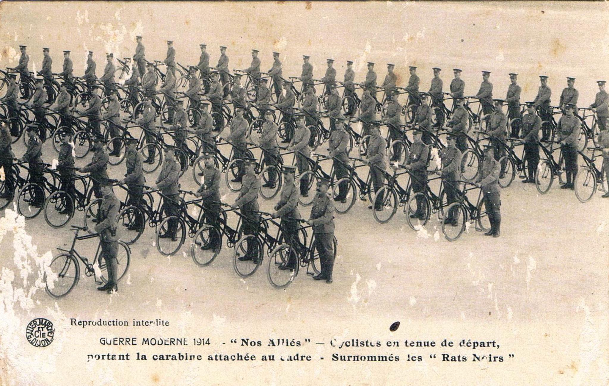 Cyclistes en tenue de départ