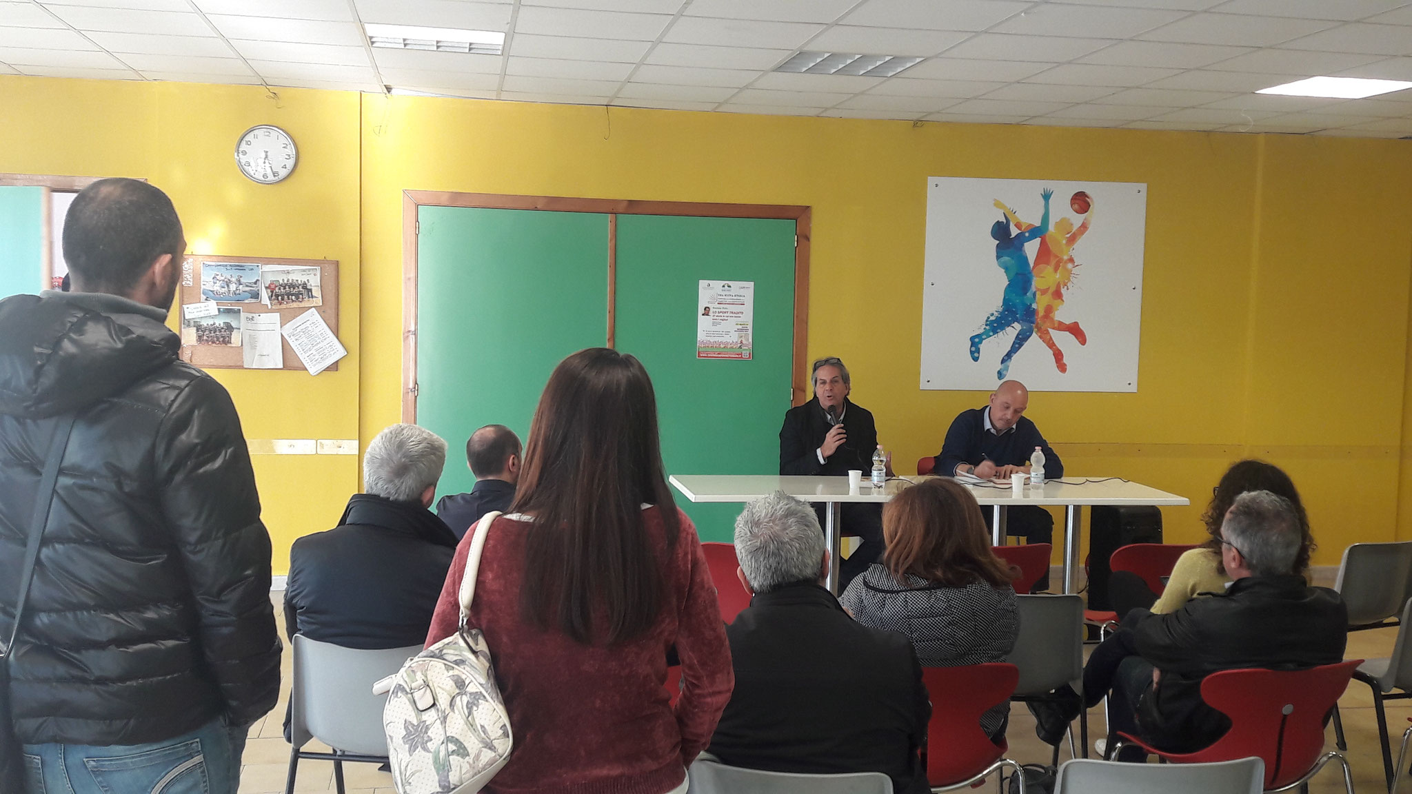 """Daniele Poto con """"Lo sport tradito"""" al PalaCarrassi. Modera: Ninni Perchiazzi"""
