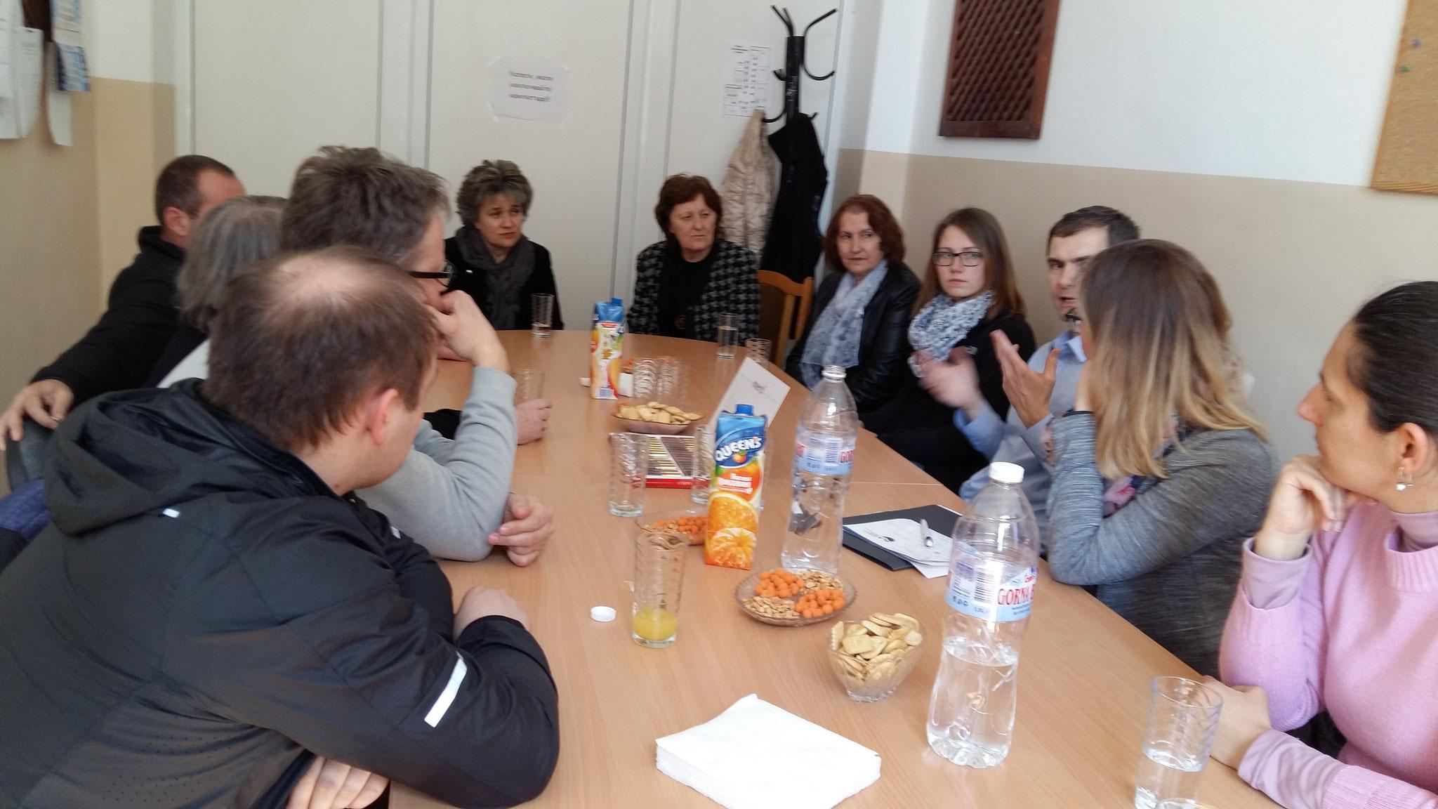 Das Kollegium einer Schule in Elin Pelin, einer Nachbargemeinde von Sofia, Bulgarien ist sehr engagiert beim Klimaschutz dabei.