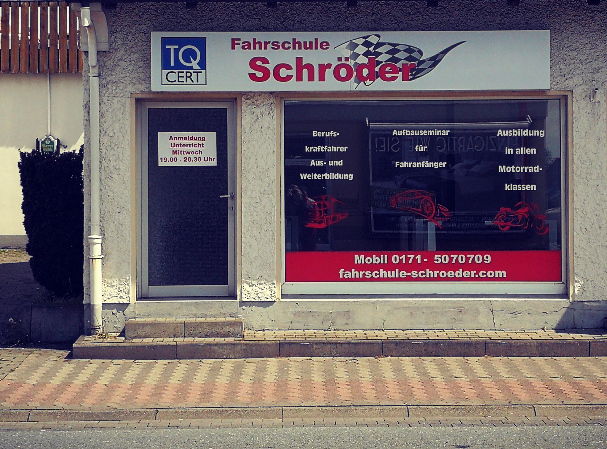 In Bünde ist unsere Fahrschule gleich zwei Mal vertreten - mit der Hauptgeschäftsstelle und dieser Zweigstelle.