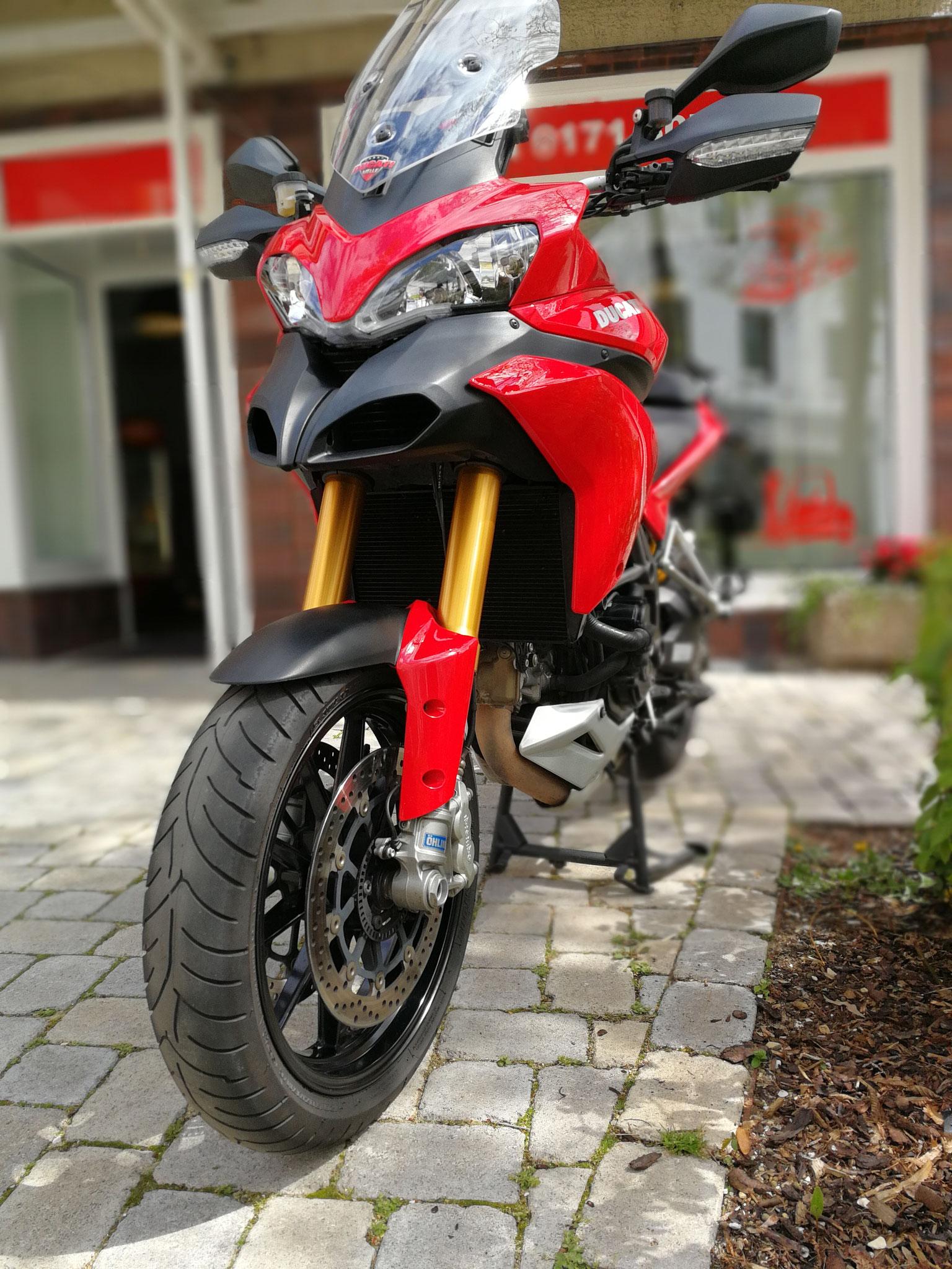 Unsere Fahrschule bildet in allen Klassen aus - auch den Motorradführerschein bekommst du bei uns.