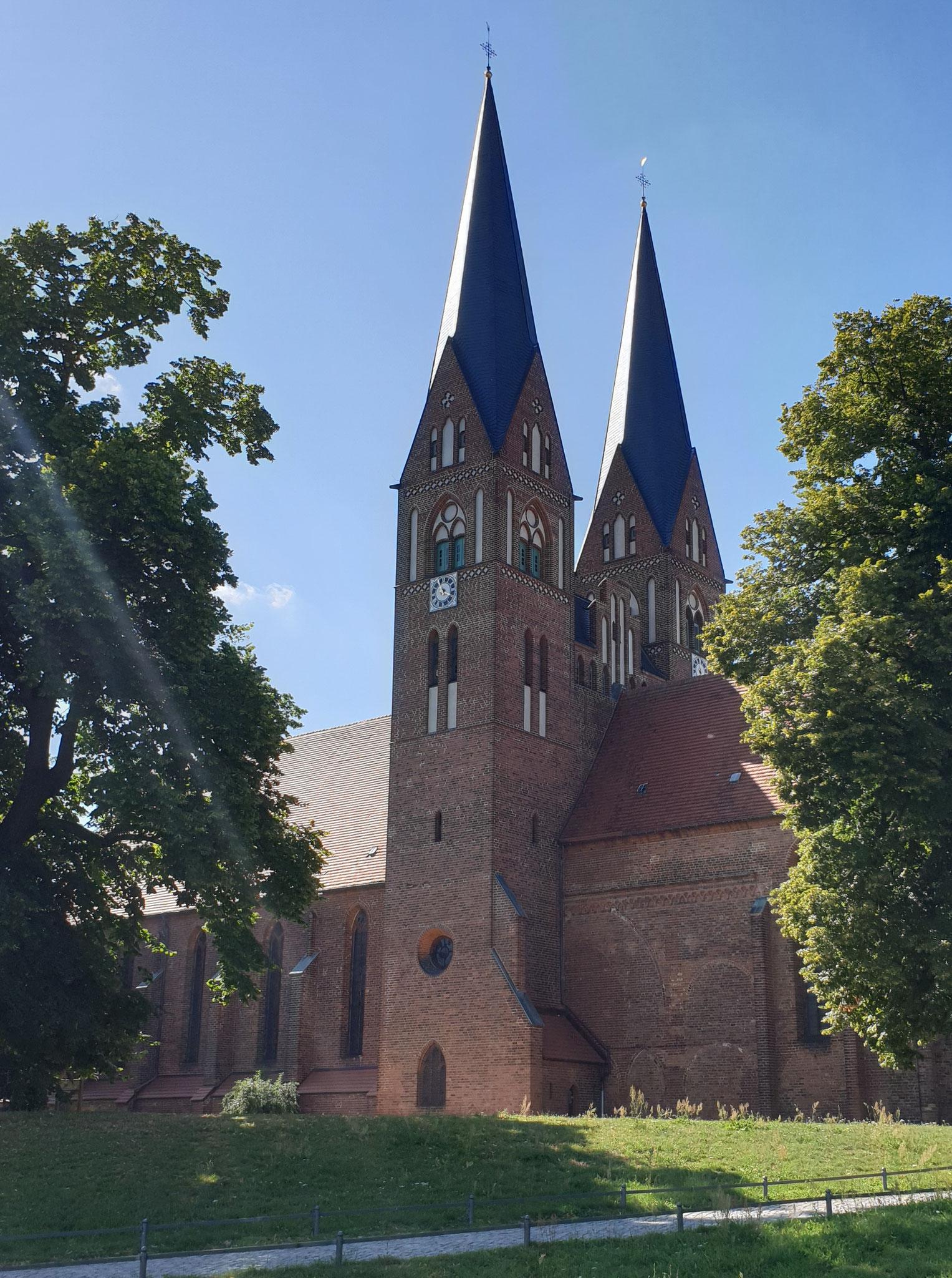 Klosterkirche und Wichmann-Linde