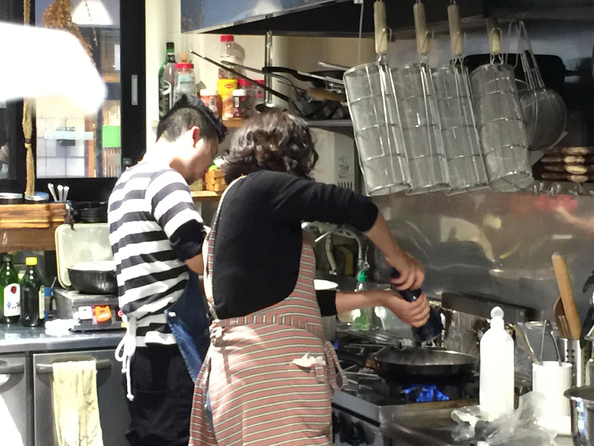 山口さんは「ファニーファーム」さんの厨房をお借りして