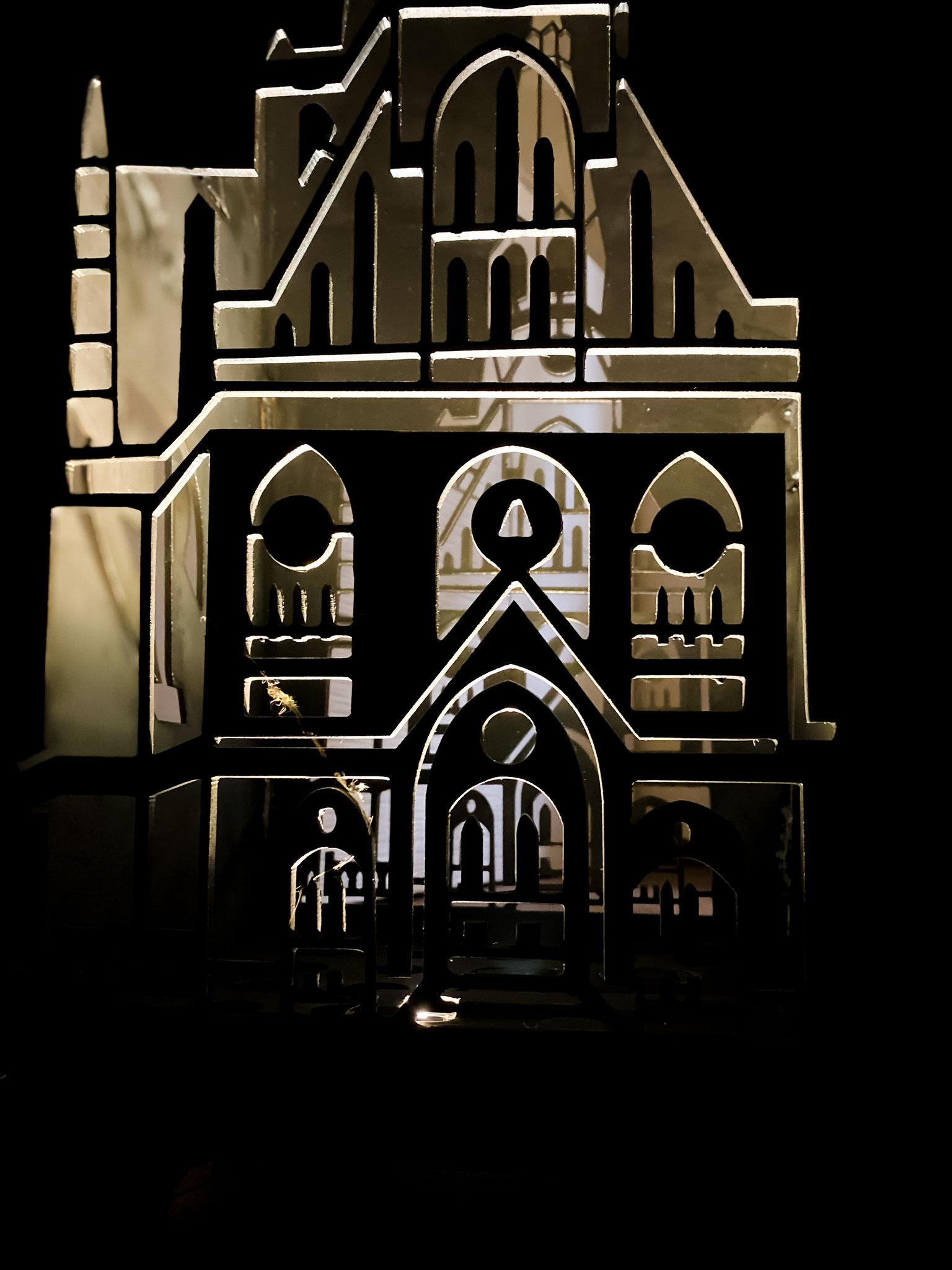 Feuertonne Kirche