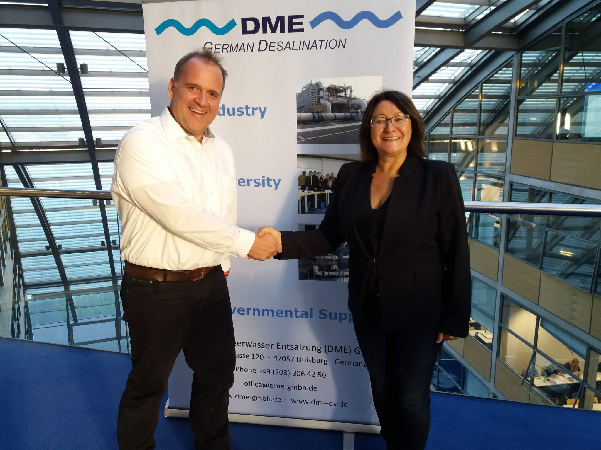 Simone Horvatin fro SUPPLYgoGREEN with the CEO, Mr. Claus Mertes, from the German Water Desalination