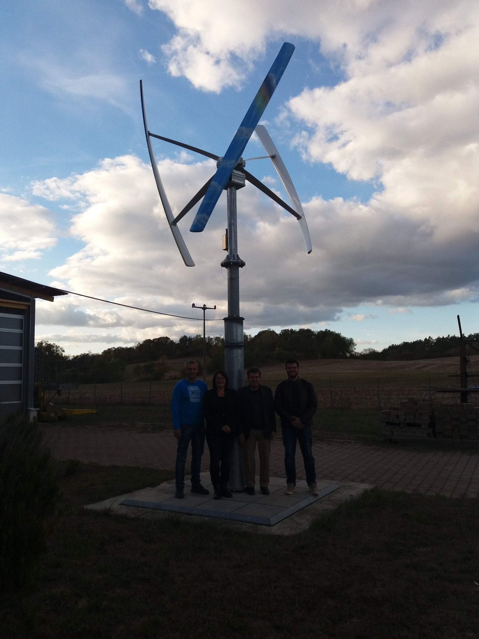 Visiting the installation and manufacturer Detec Vision in Nordhausen. Small windpower Vertikon.
